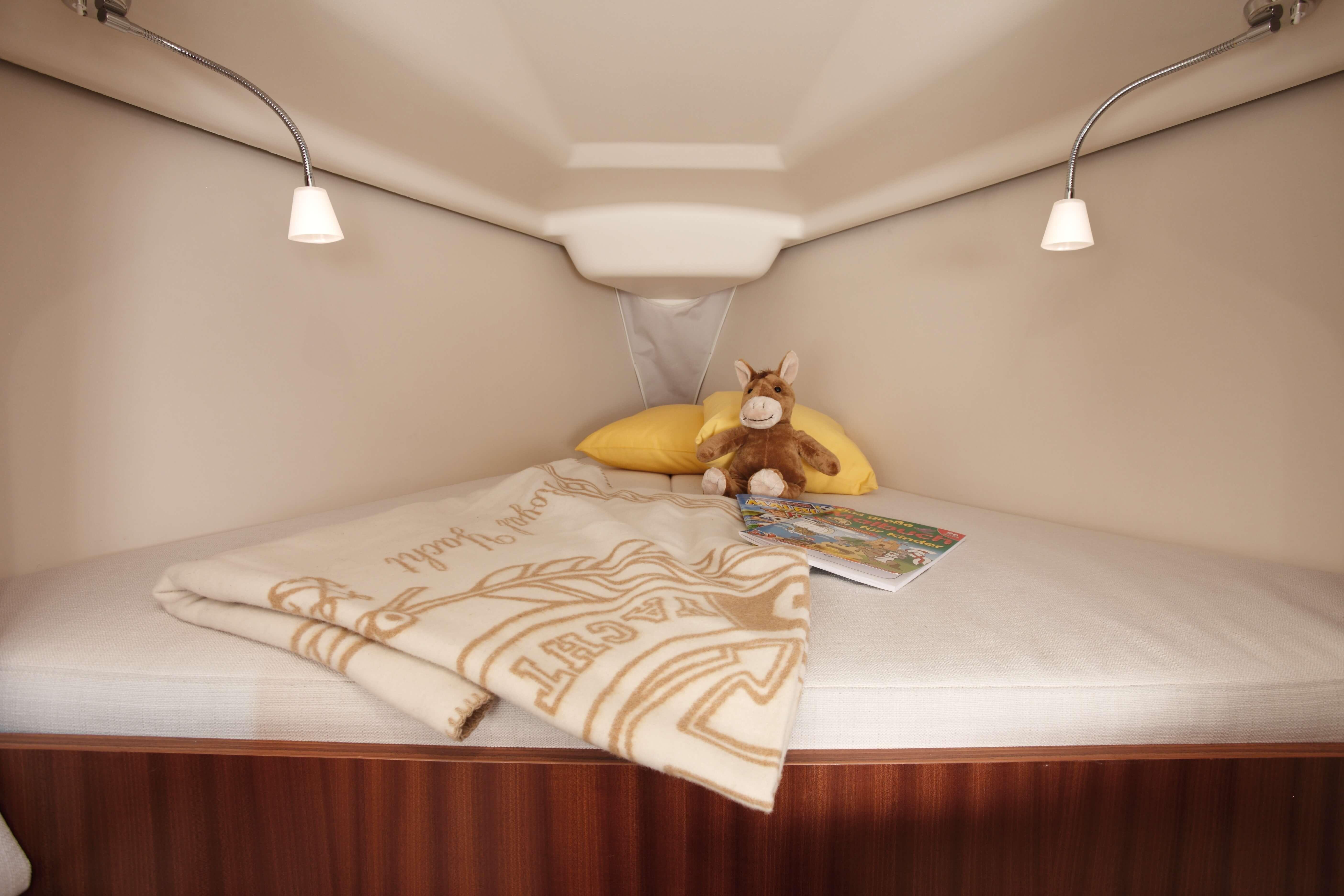 Dehler 29 Vista interior cabina da popa | cama doble | Dehler