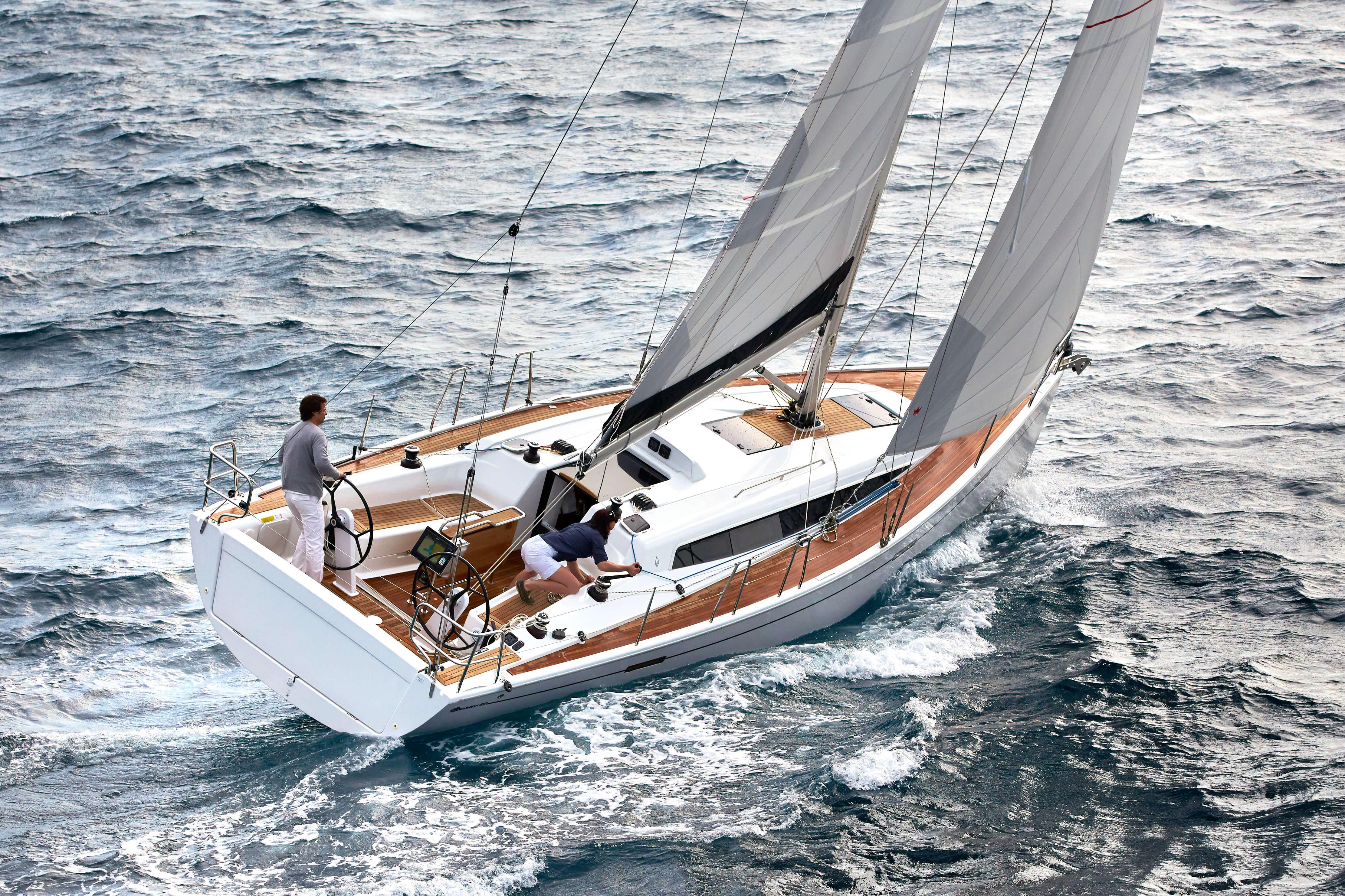 Dehler 38 Exterior Sailing | rear, cockpit | Dehler