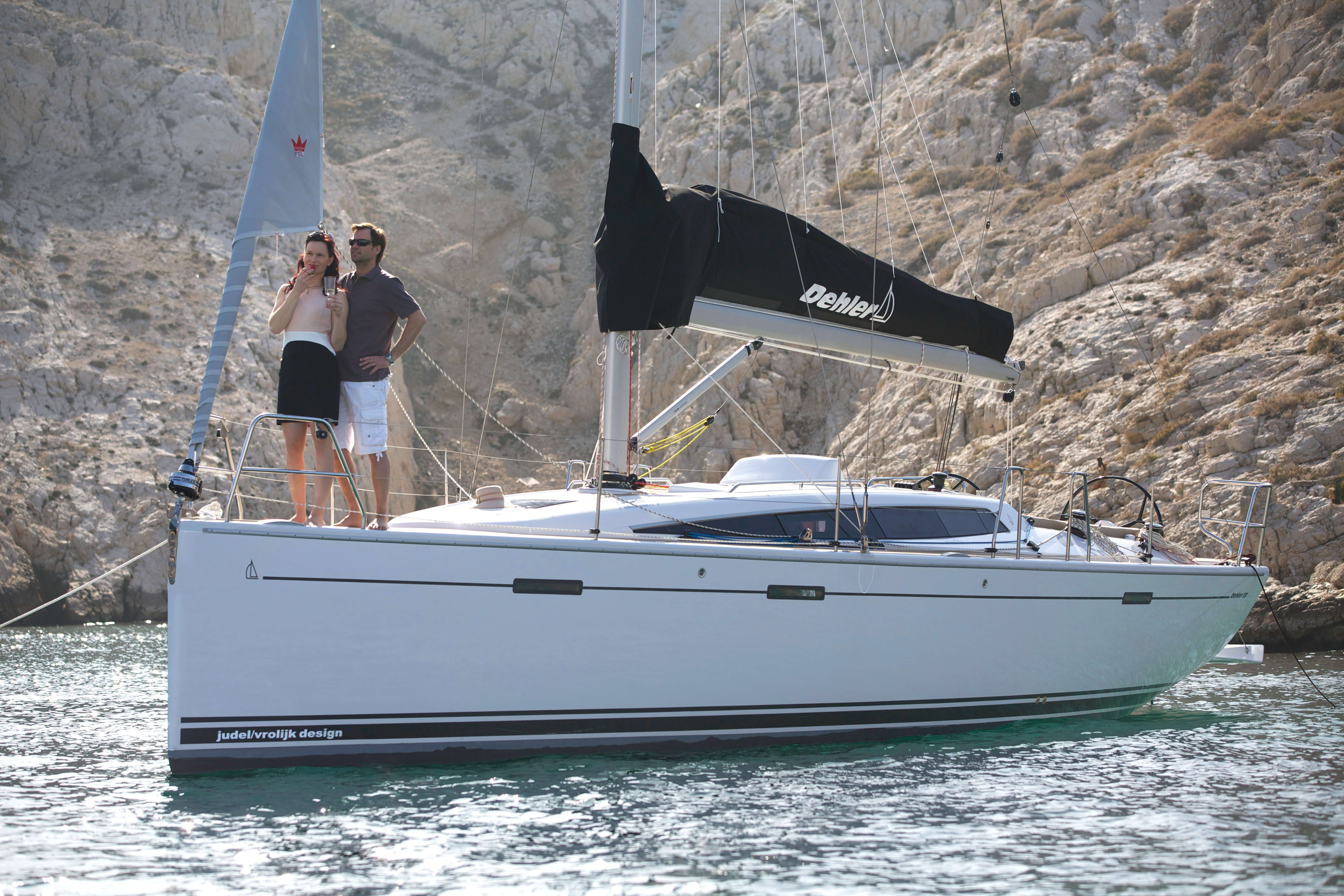 Dehler 38 Exterior at anchor | Dehler