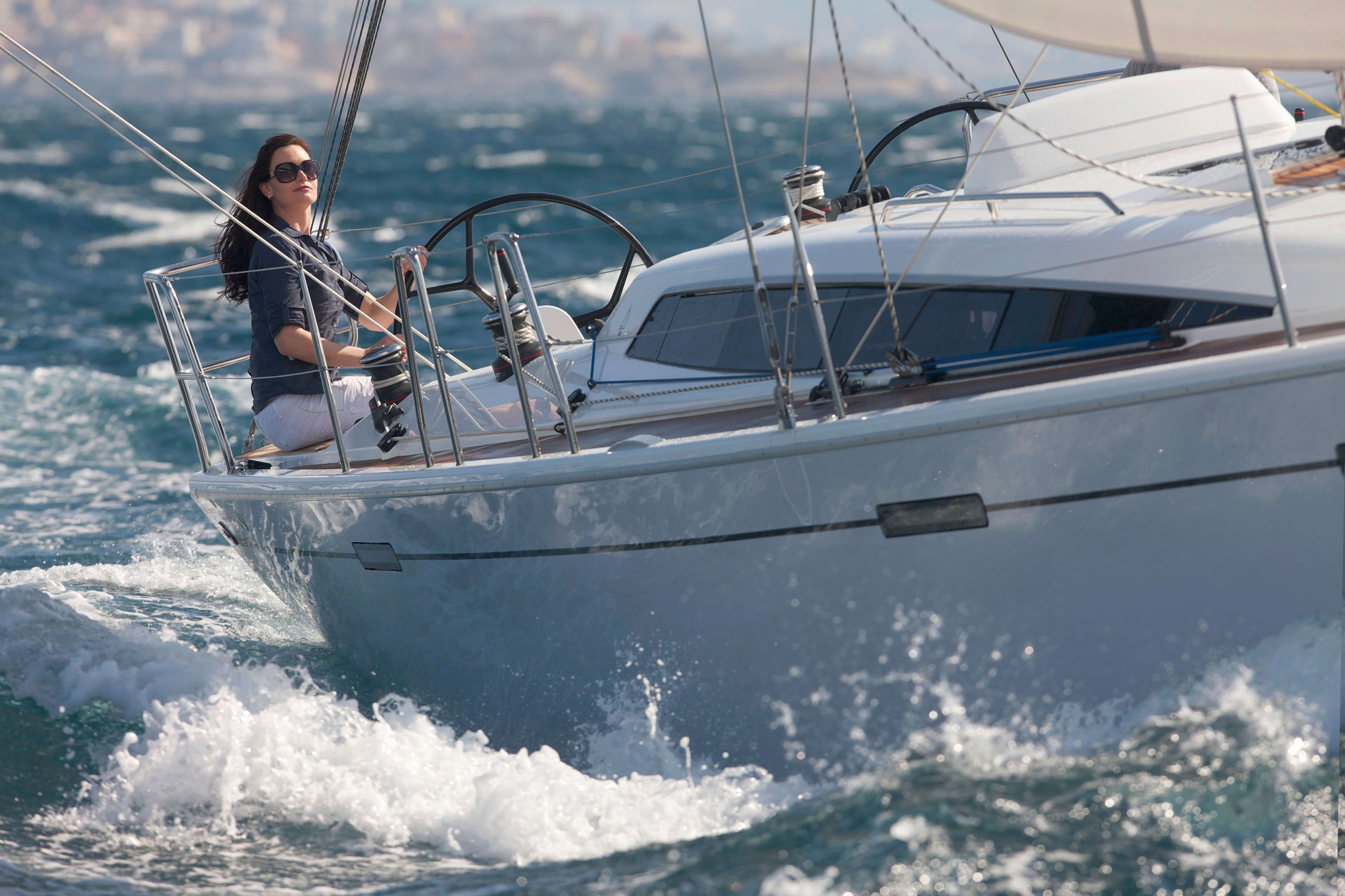 Dehler 38 Exterior Sailing | bow | Dehler