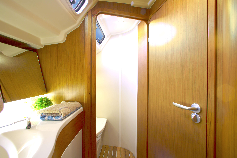 Dehler 38 Interior view wet cell | sink | Dehler
