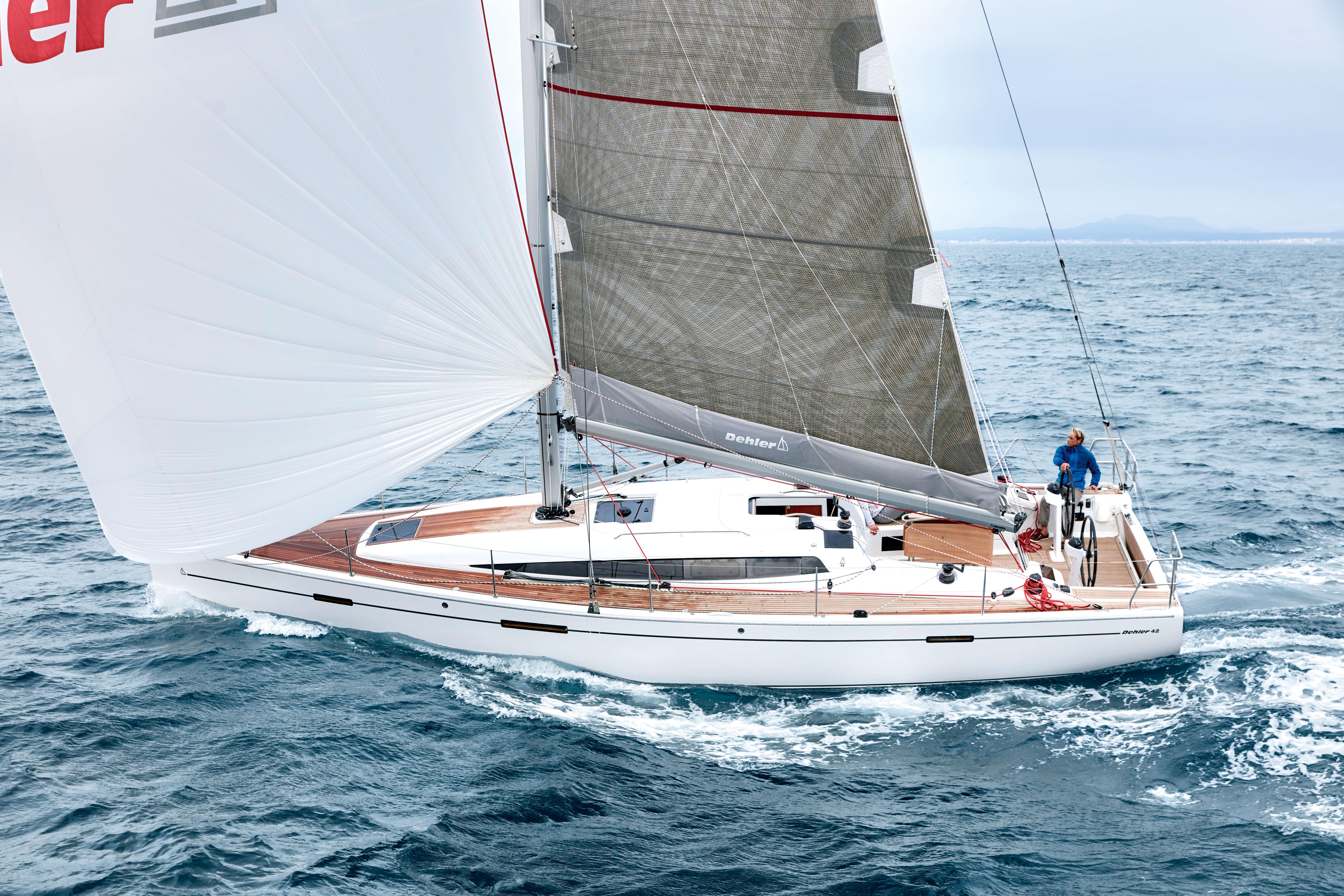 Dehler 42 Exterior Sailing | Dehler 42_Segeln_01_0516_P3A2944.jpg | Dehler