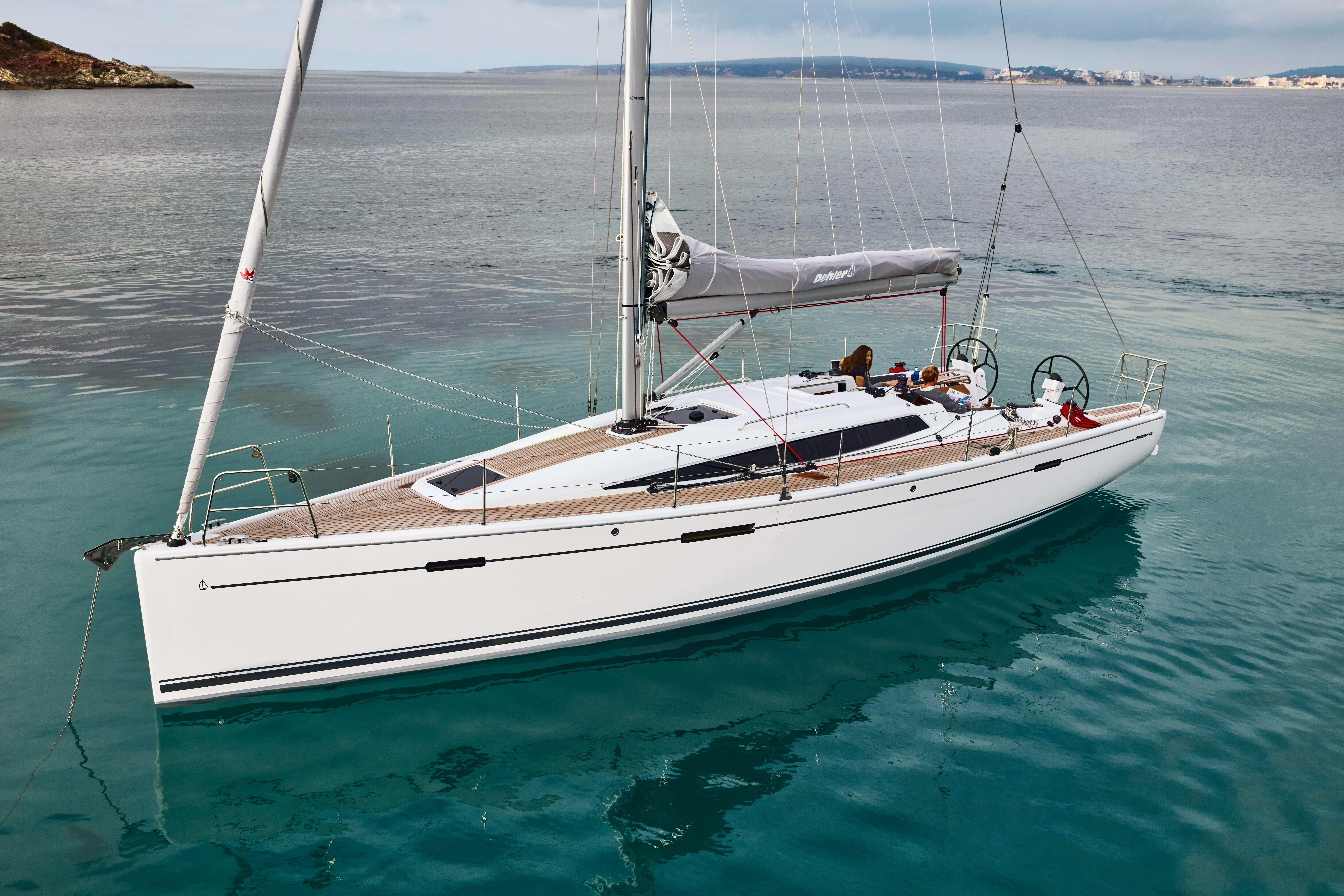 Dehler 42 Exterior at anchor | Dehler 42_Segeln_05_0516_93A9046.jpg | Dehler