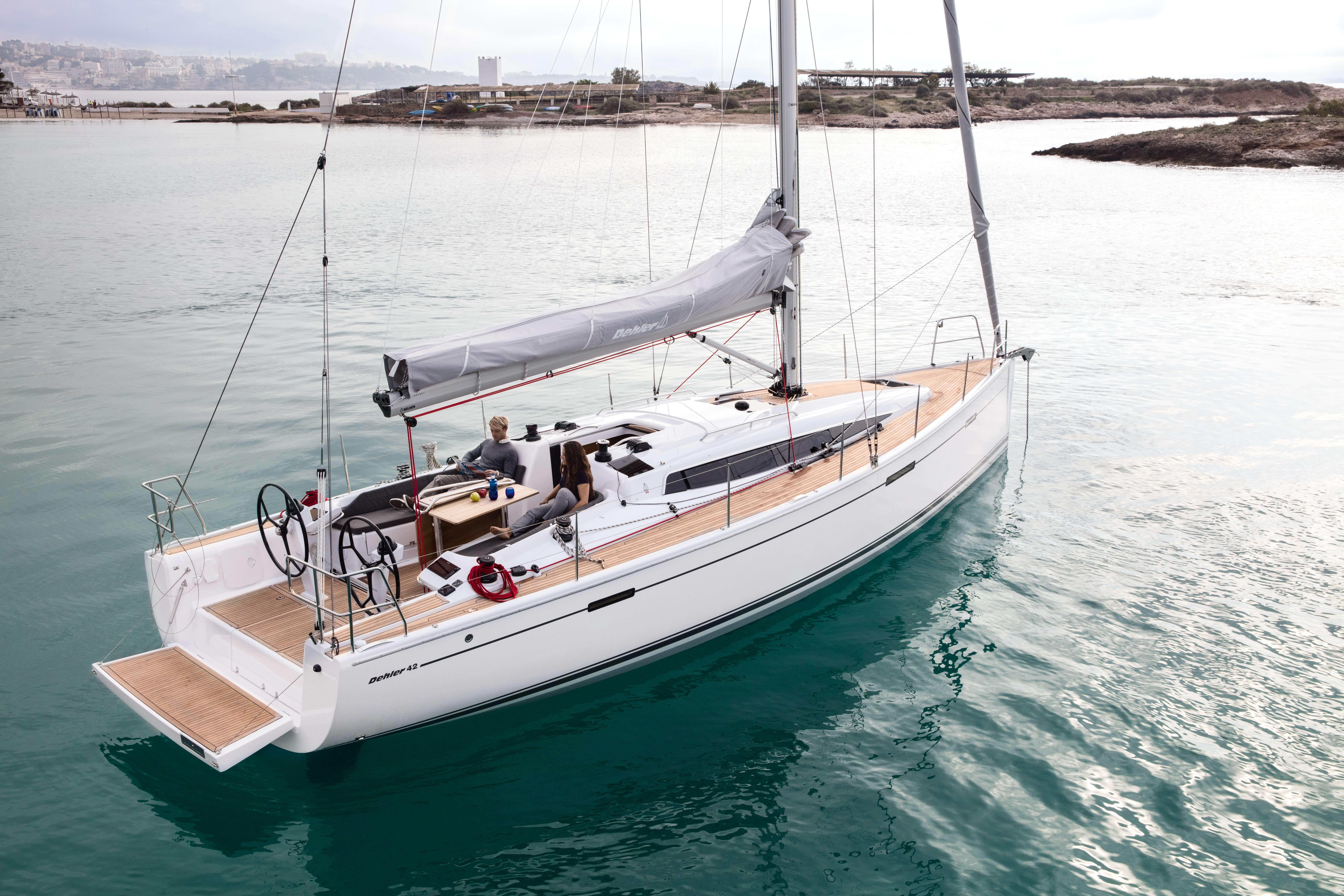 Dehler 42 Exterior at anchor | Dehler 42_Segeln_08_0516_023.jpg | Dehler