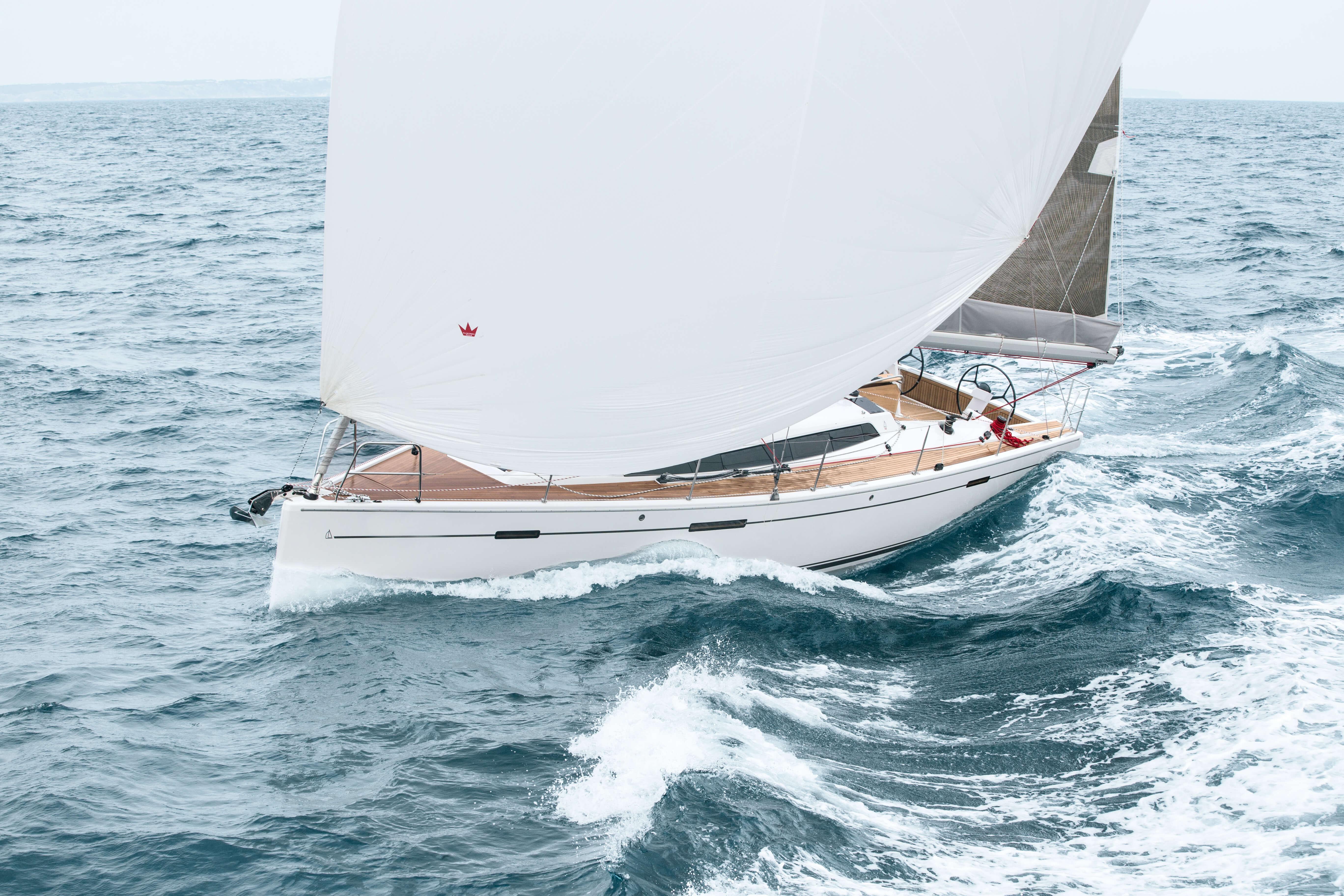Dehler 42 Exterior Sailing | Dehler 42_Segeln_11_0516_034.jpg | Dehler