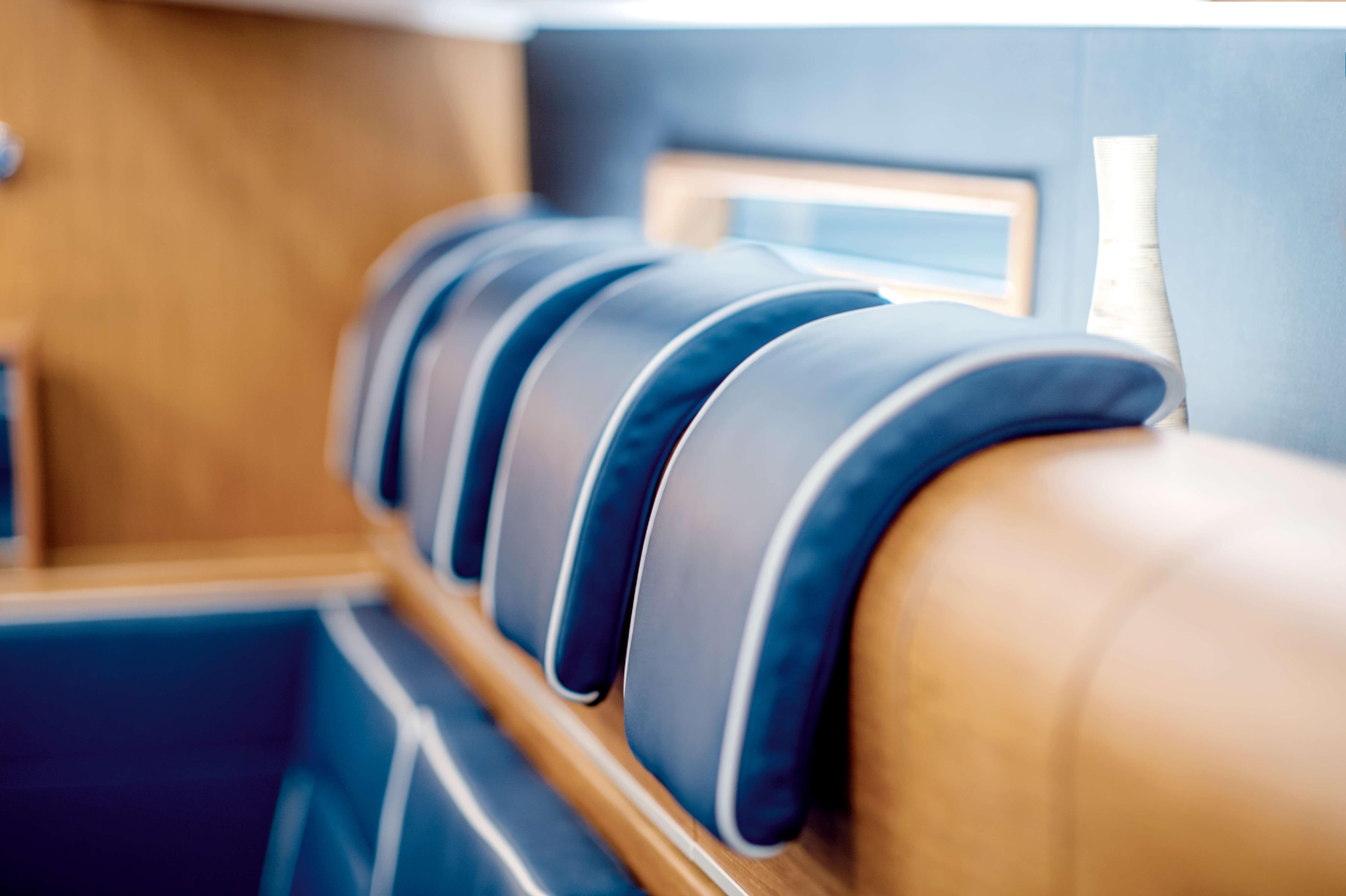 Dehler 42 Interior view lounge | headrest | Dehler