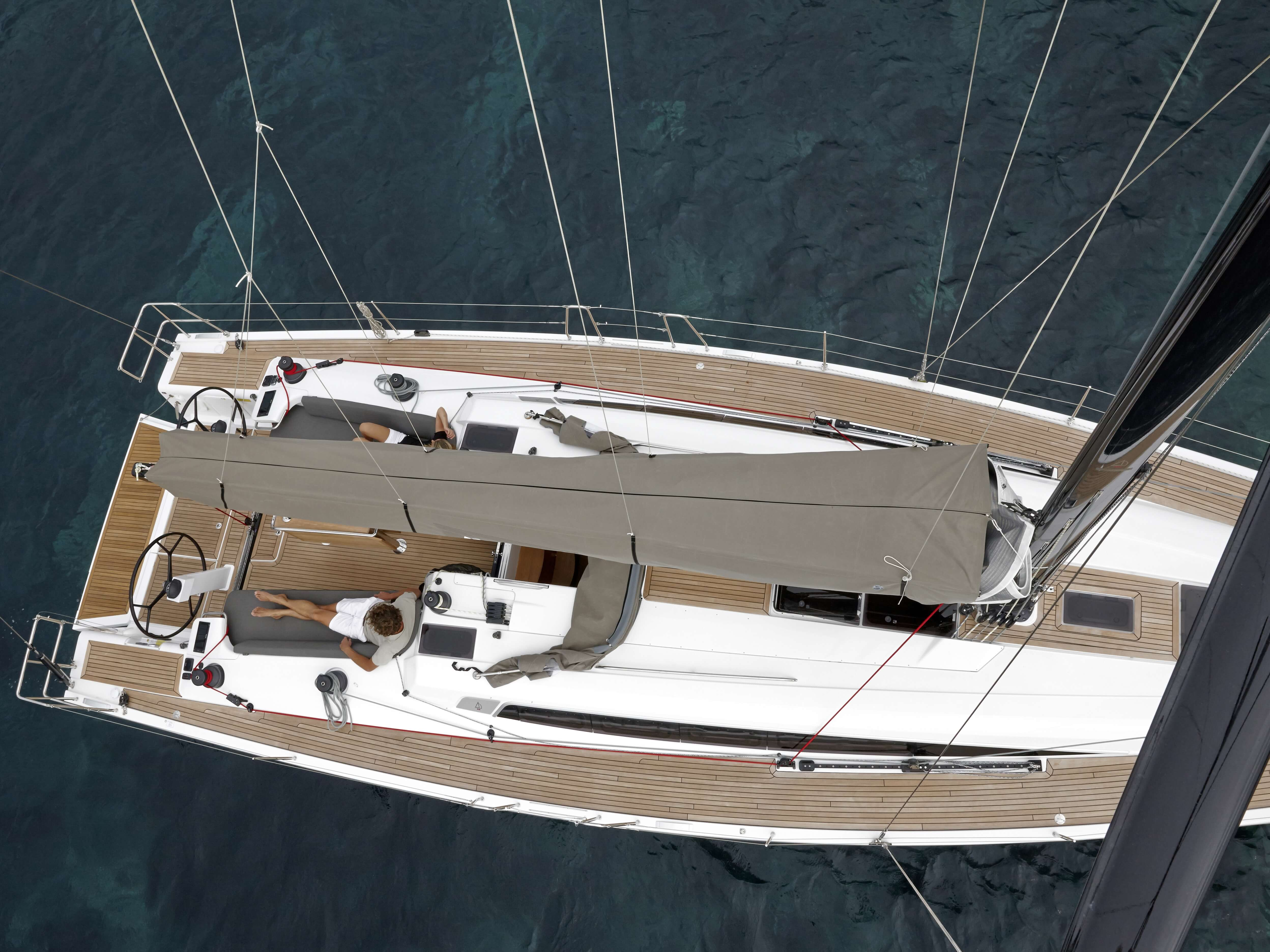 Dehler 46 Exterior at anchor | deck, boom | Dehler