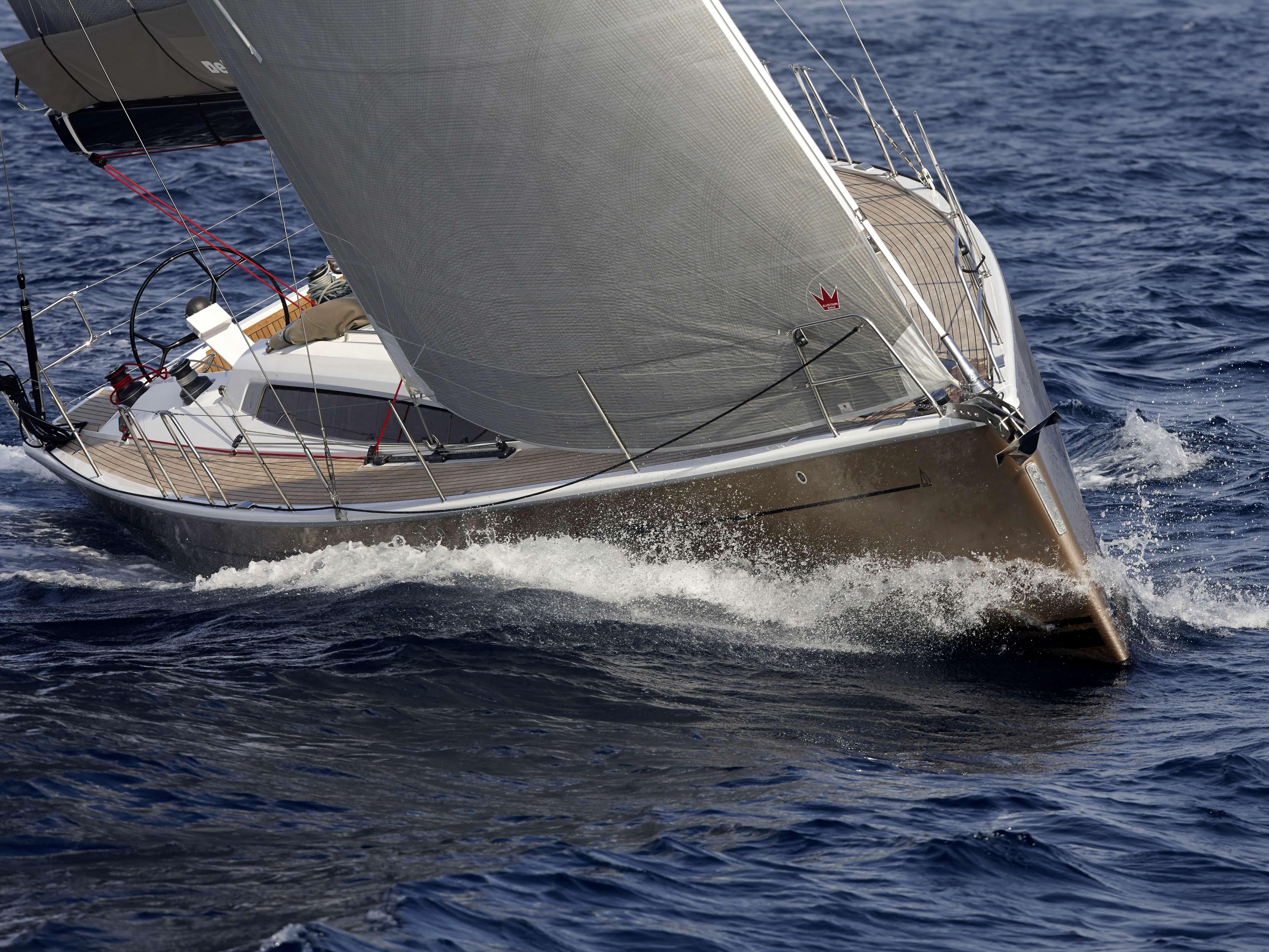 Dehler 46 Exterior Sailing | mainsail, bow | Dehler