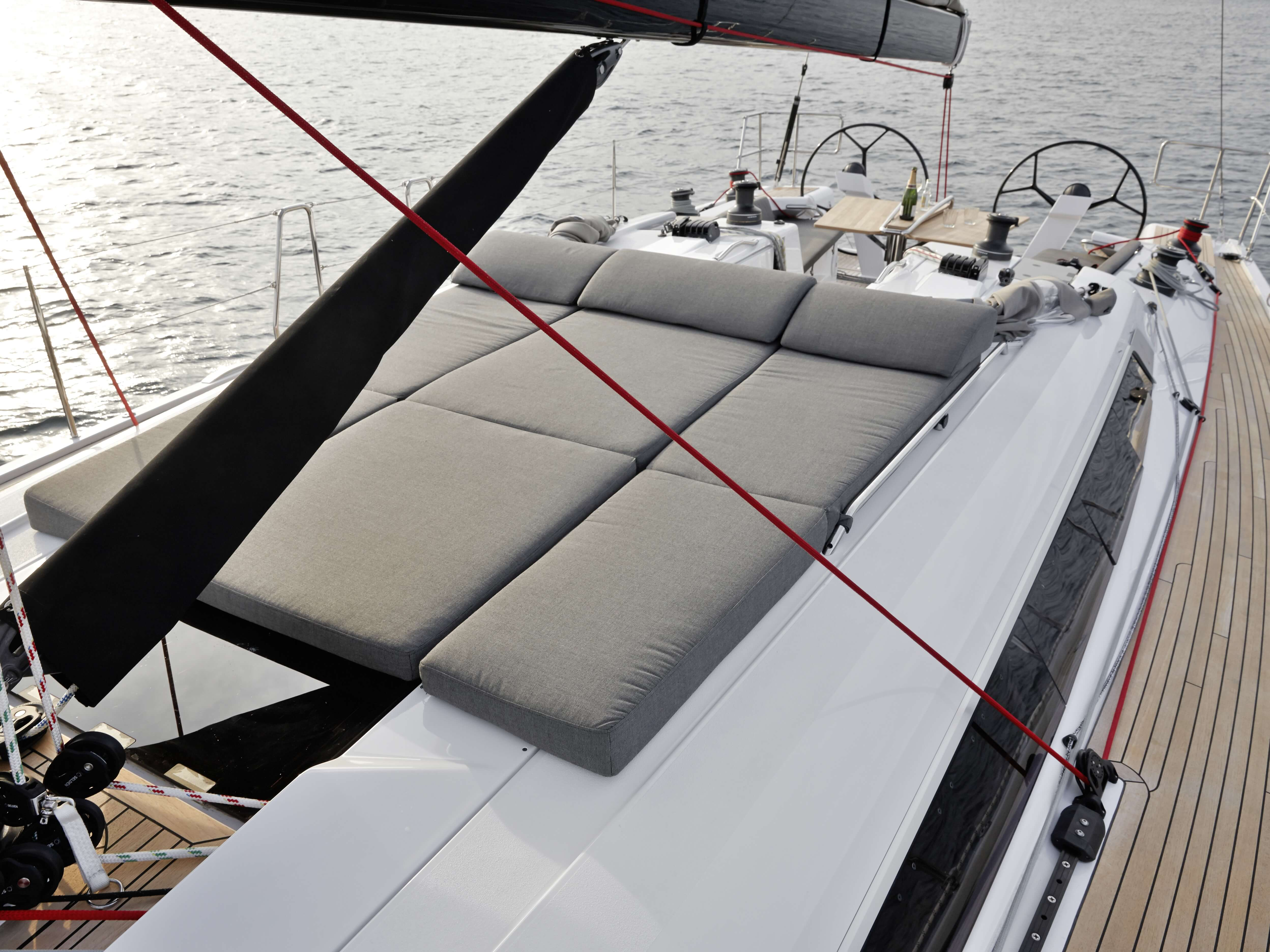 Dehler 46 Exterior at anchor | deck, sun deck | Dehler