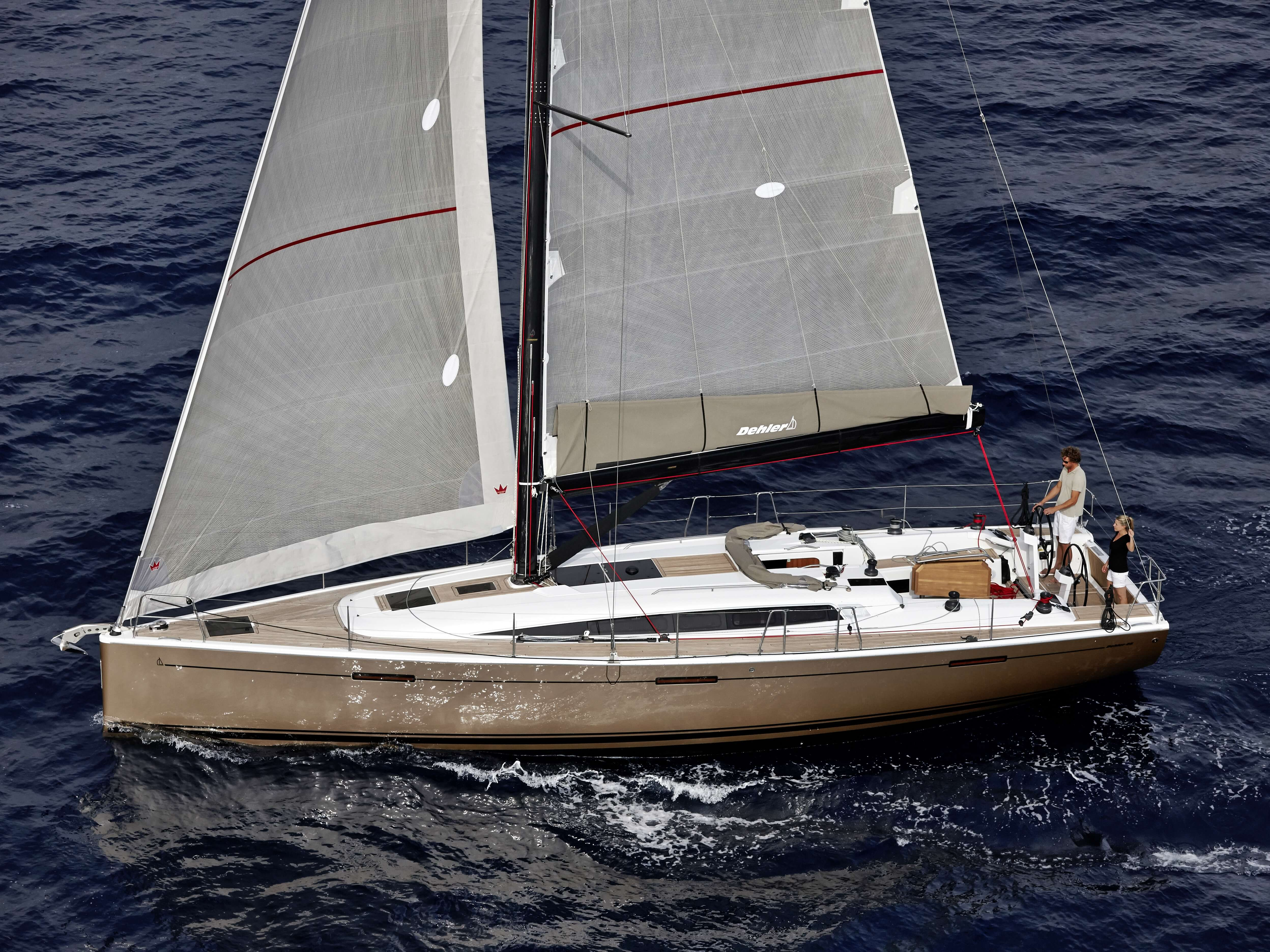 Dehler 46 Esterno ancorato | vela di trinchetto, vela maestra, pozzetto di comando | Dehler