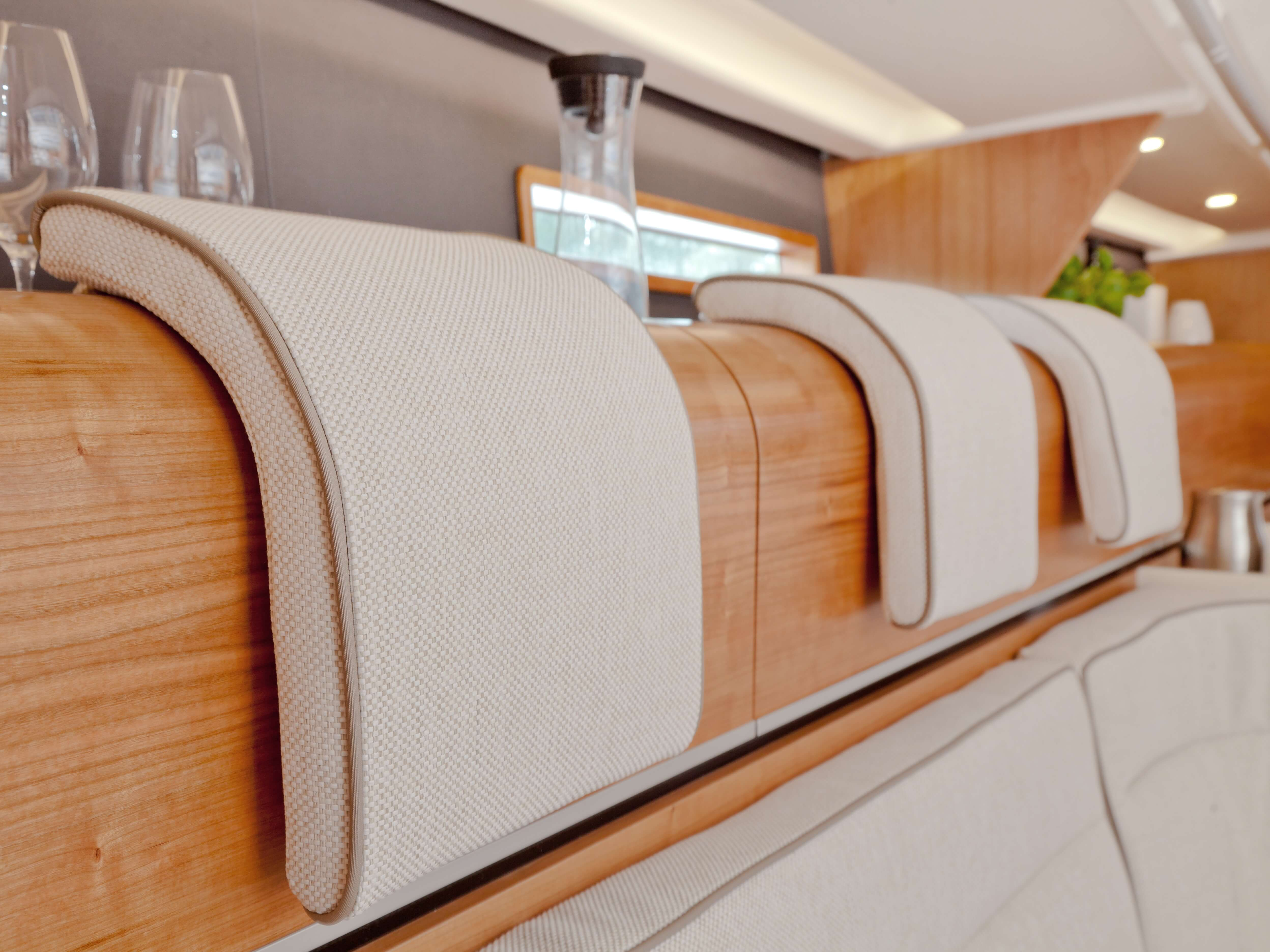 Dehler 46 Interior view lounge | headrest | Dehler