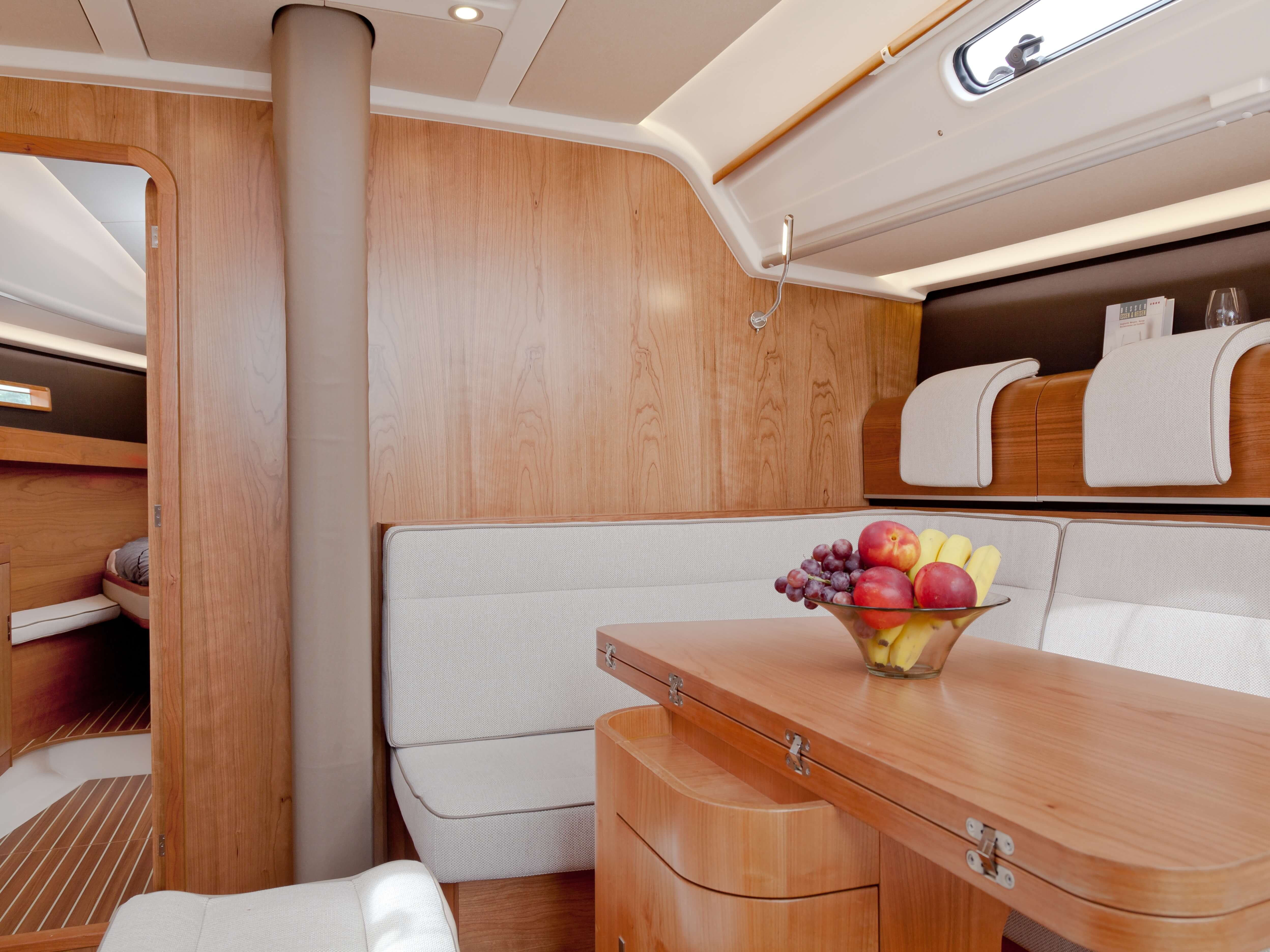 Dehler 46 Interior view lounge | sitting area, foldable table | Dehler