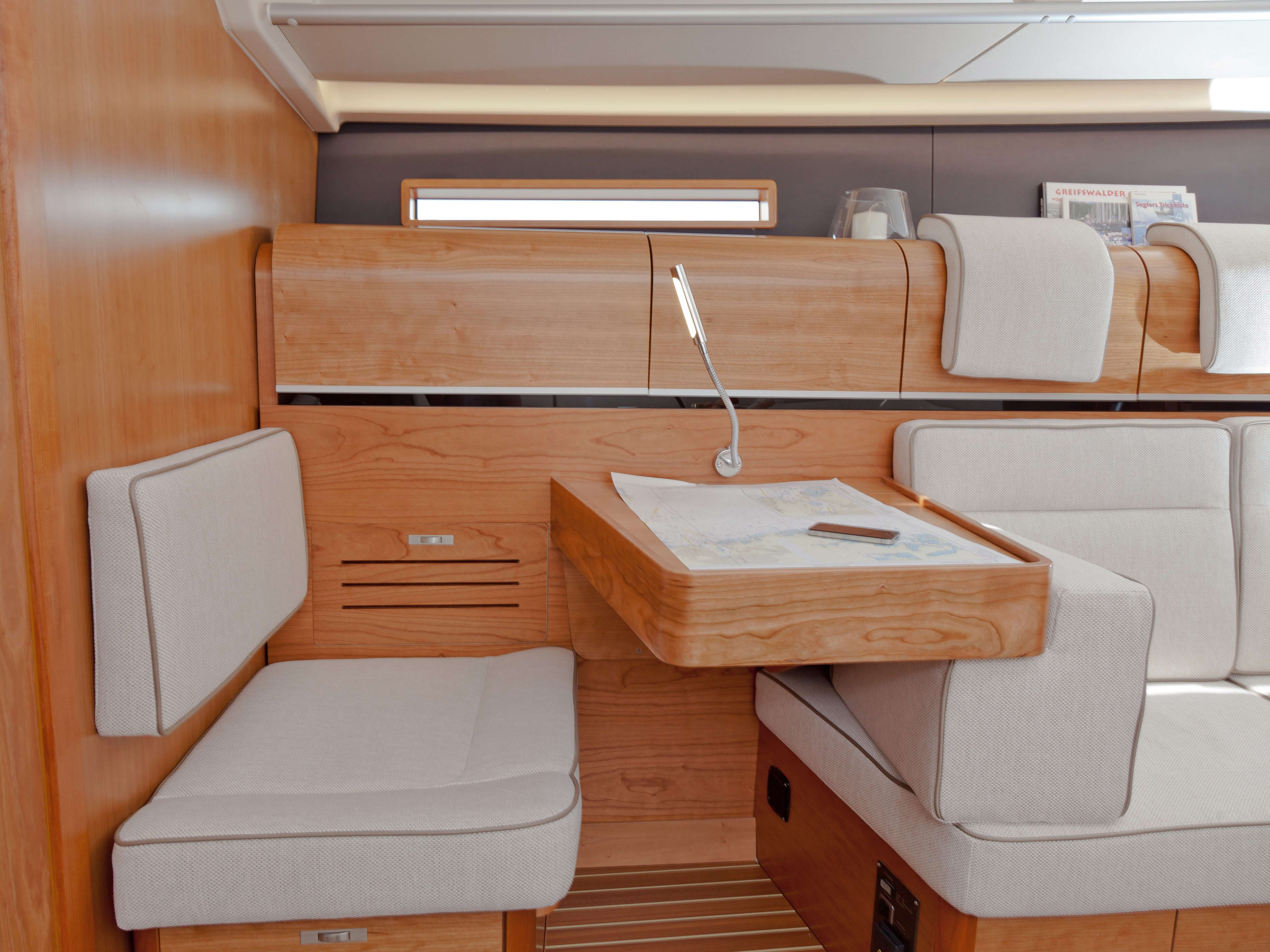 Dehler 46 Interior view lounge | navigation corner | Dehler