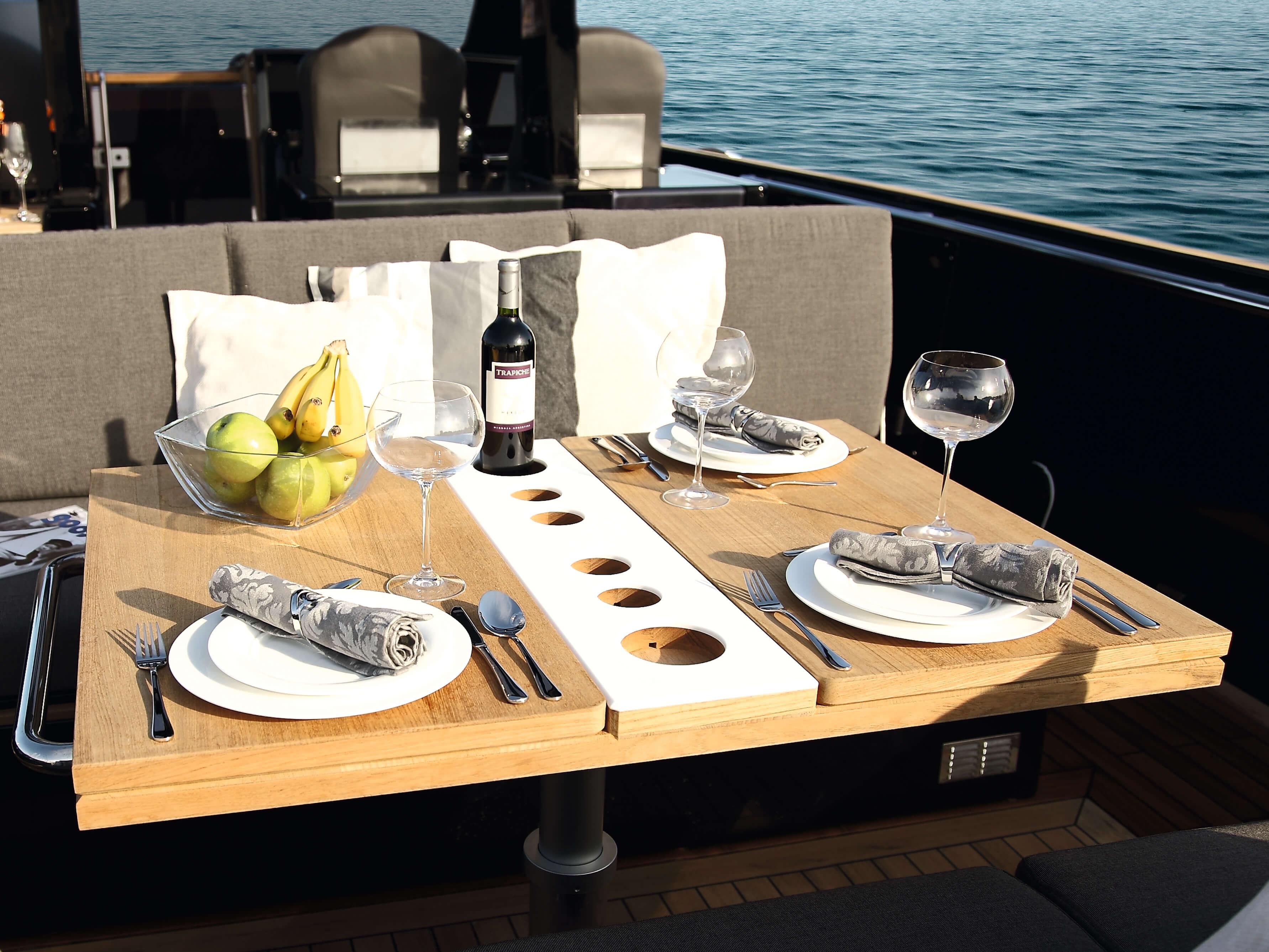 Fjord 40 open Exterior ride | table, bottle holder | Fjord