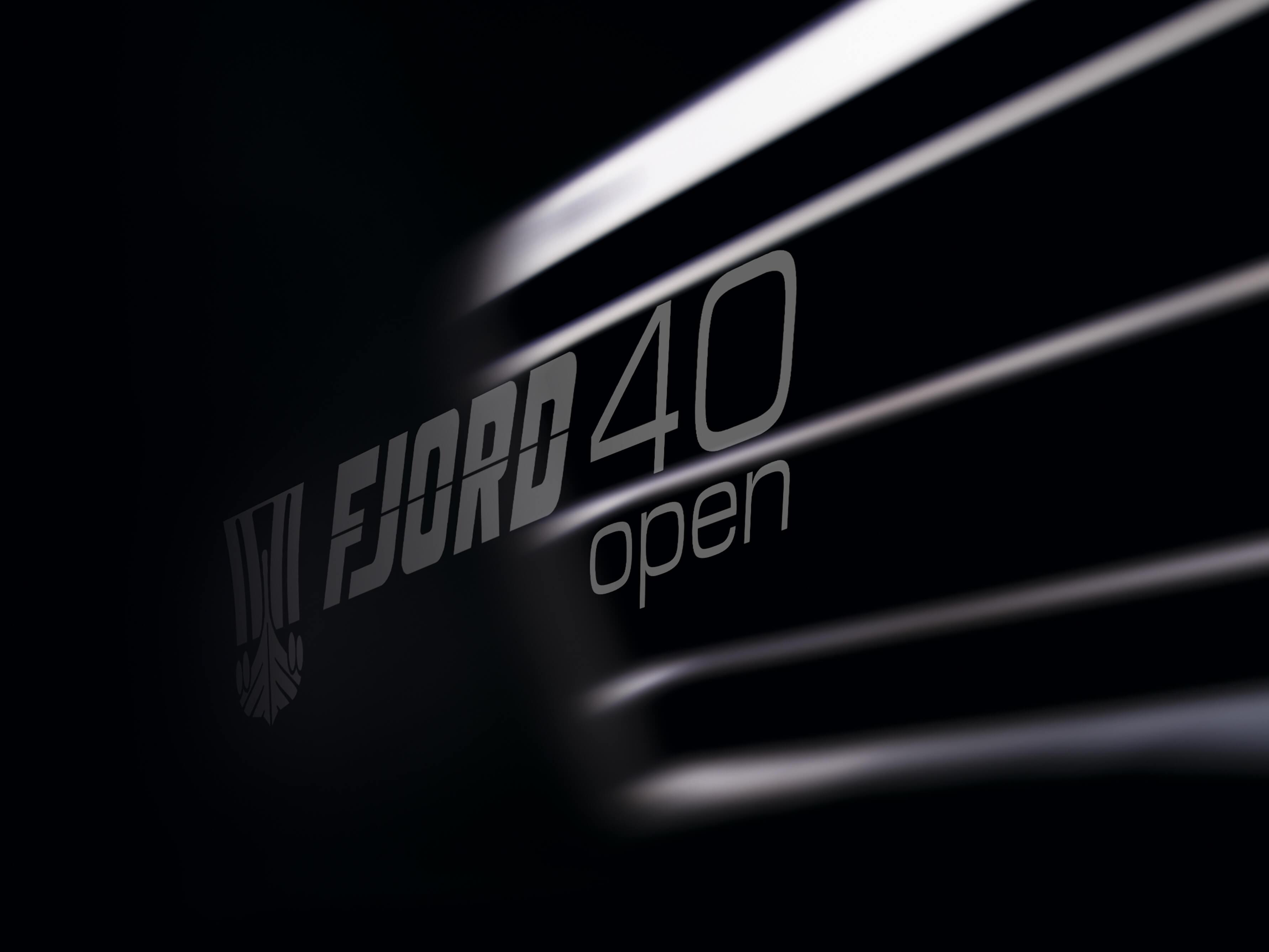 Fjord 40 open Außenansicht Ankern | Logo | Fjord