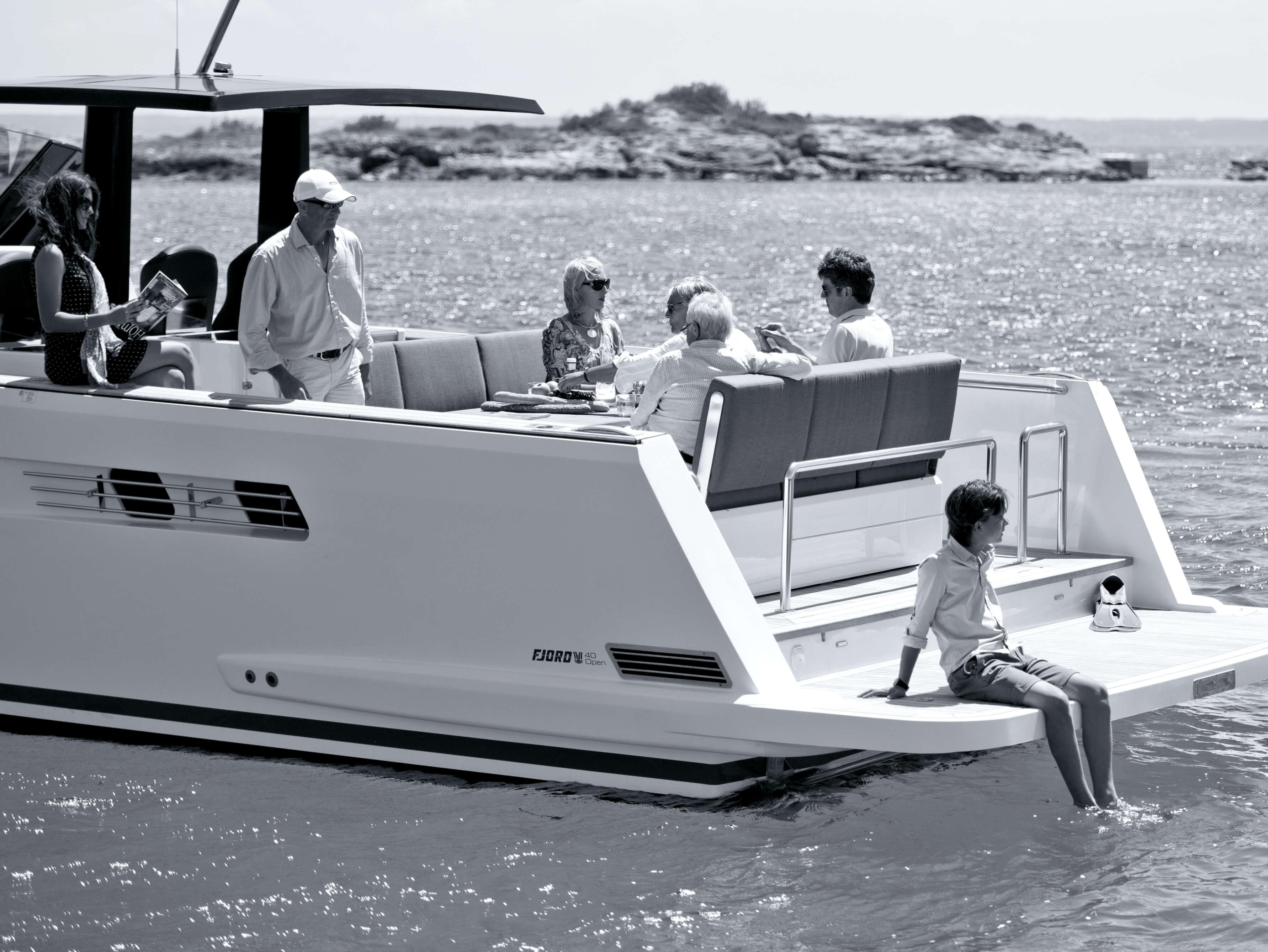 Fjord 40 open Exterior at anchor | Lounge-Area, bathing platform | Fjord
