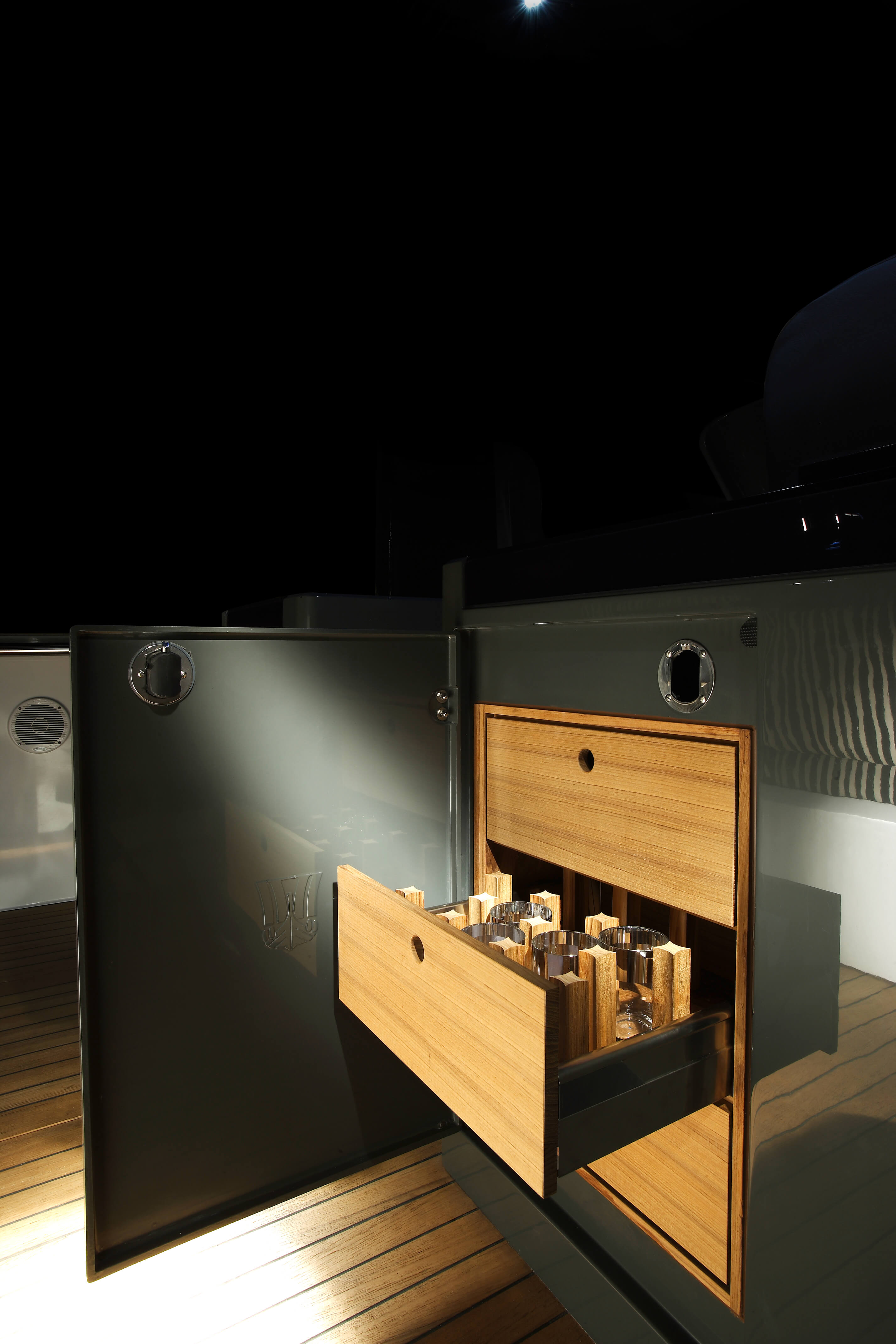 Fjord 40 open Interior view cabin | storage compartement | Fjord