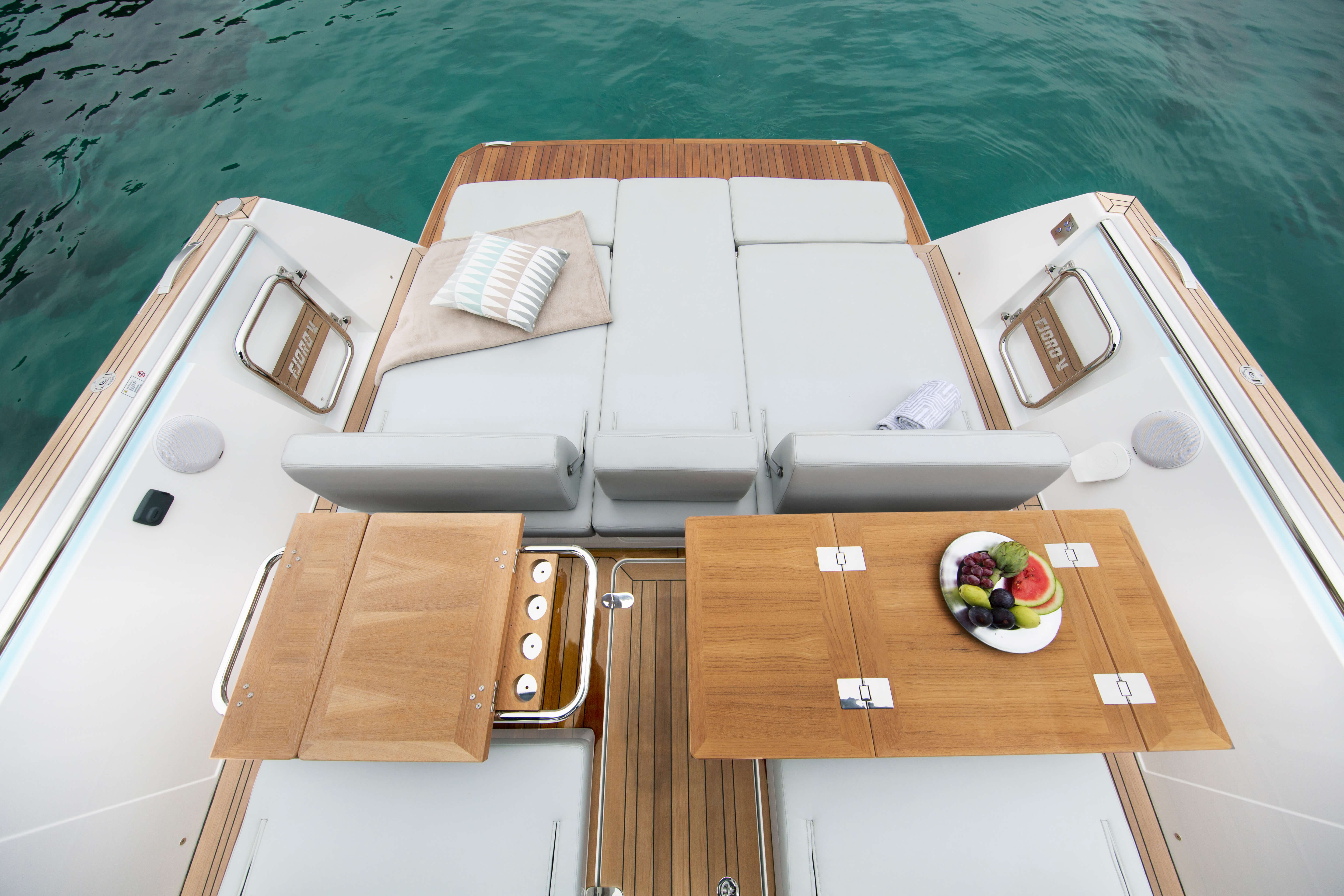 Fjord 44 open | Exterior rear view | Fjord