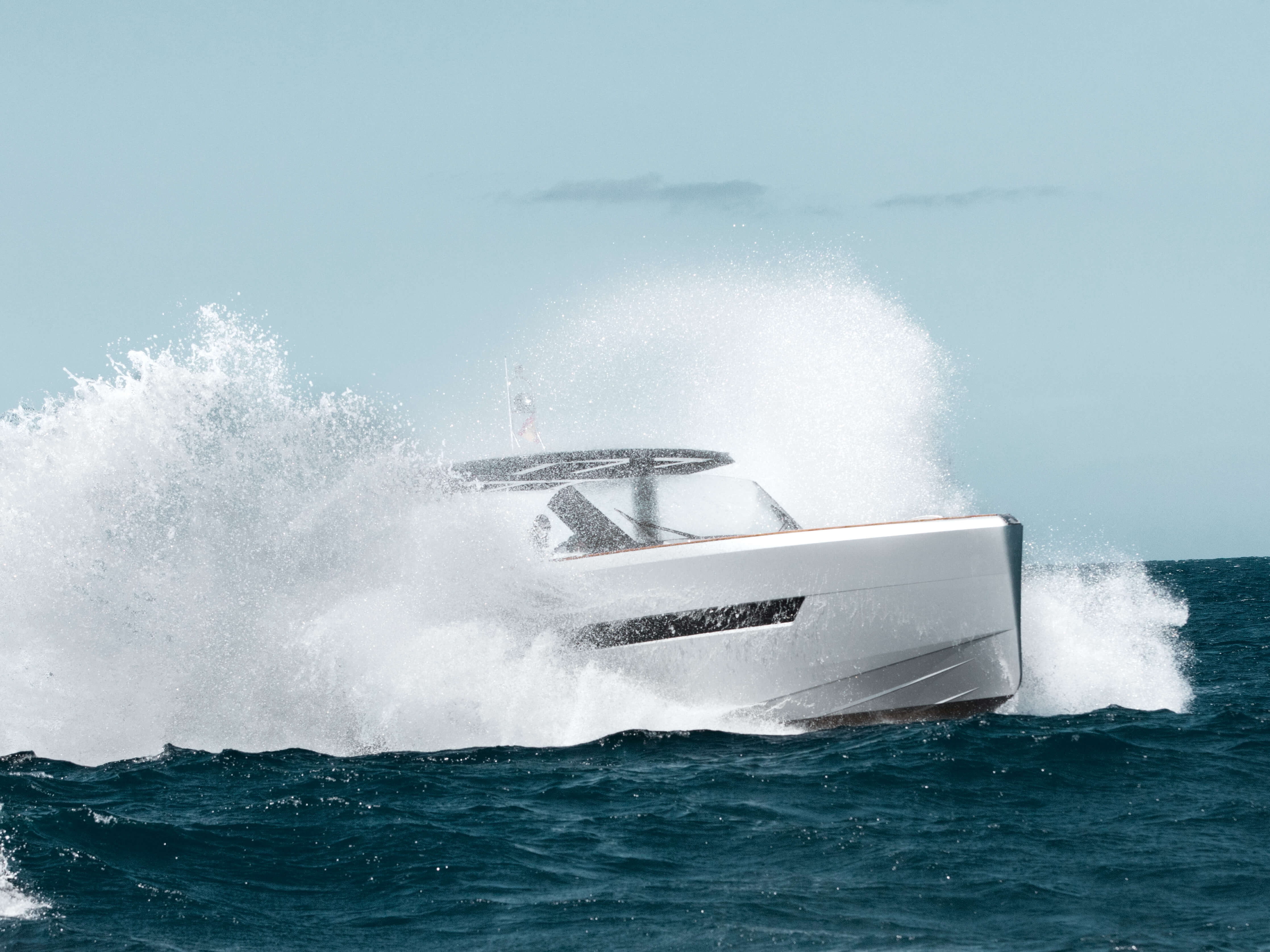 Fjord 48 open Exterior ride | painted hull, T-top with skylights | Fjord
