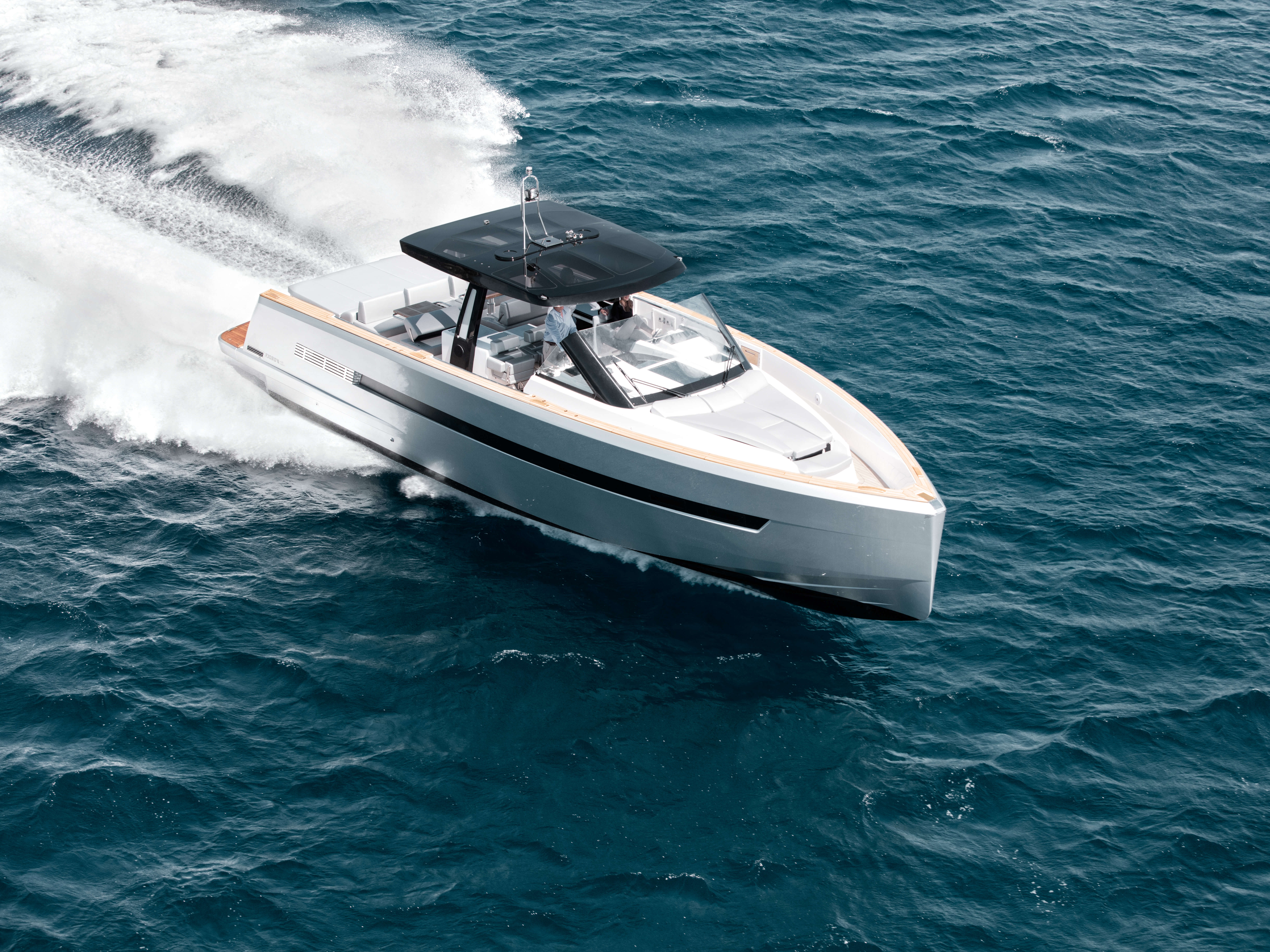 Fjord 48 open Exterior ride | painted hull, foredeck sunbed, T-top with skylights | Fjord