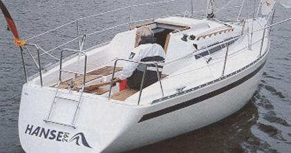 Hanse 291 Exterior at anchor | Hanse