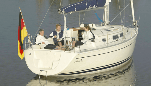 Hanse 312 Exterior at anchor | Hanse