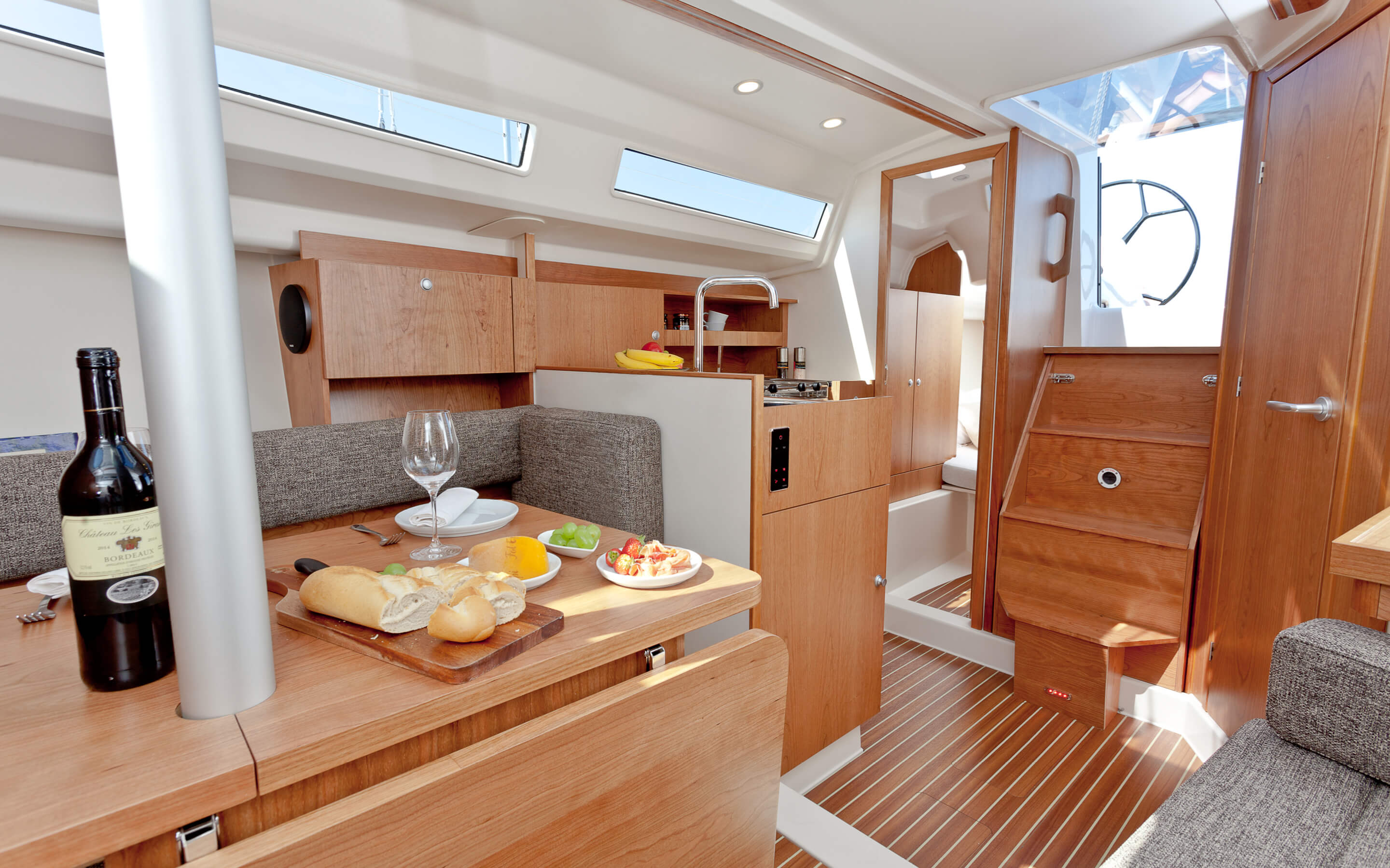 Hanse 315 Interior view pantry
