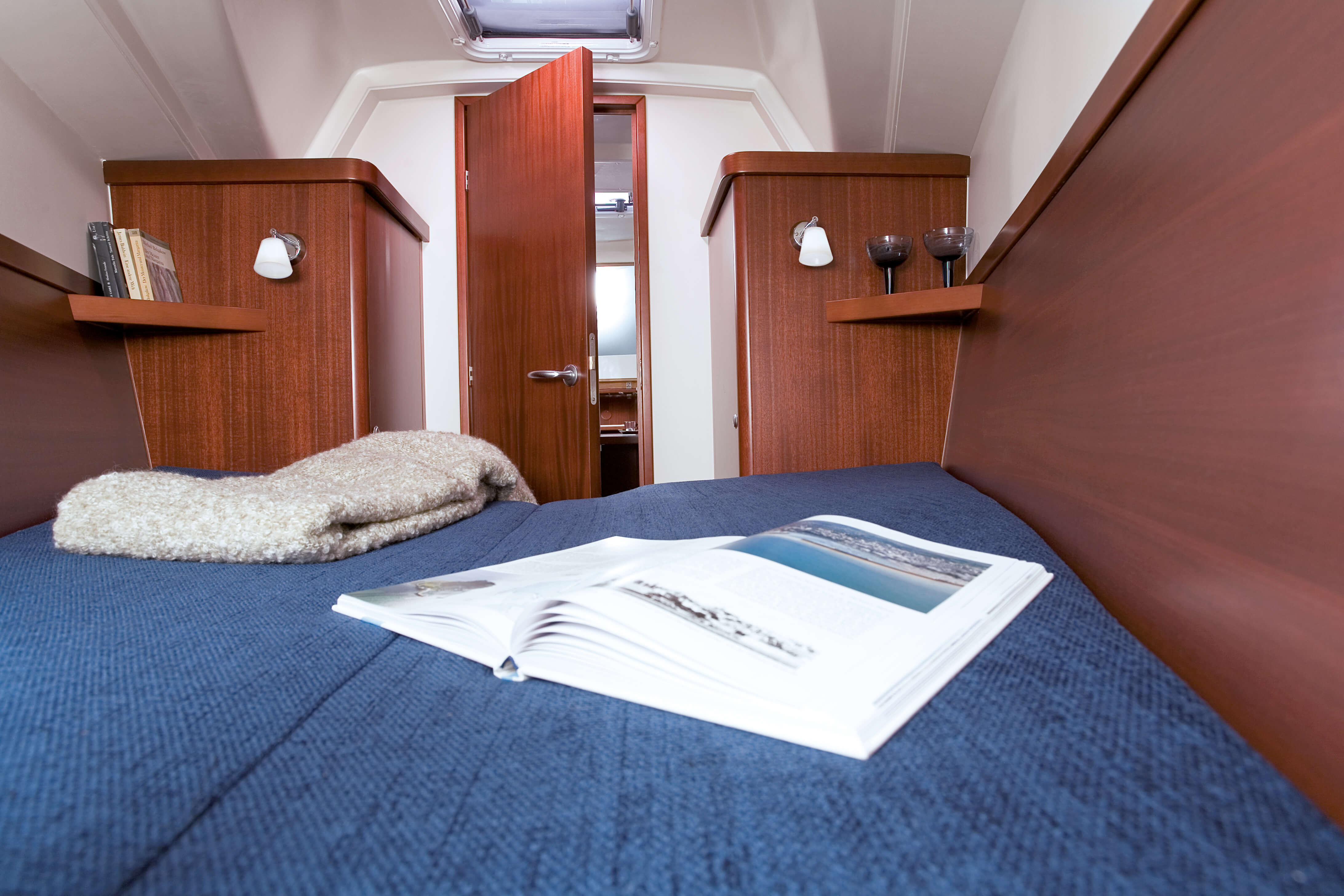 Hanse 320 Interior view owner´s cabin | Hanse