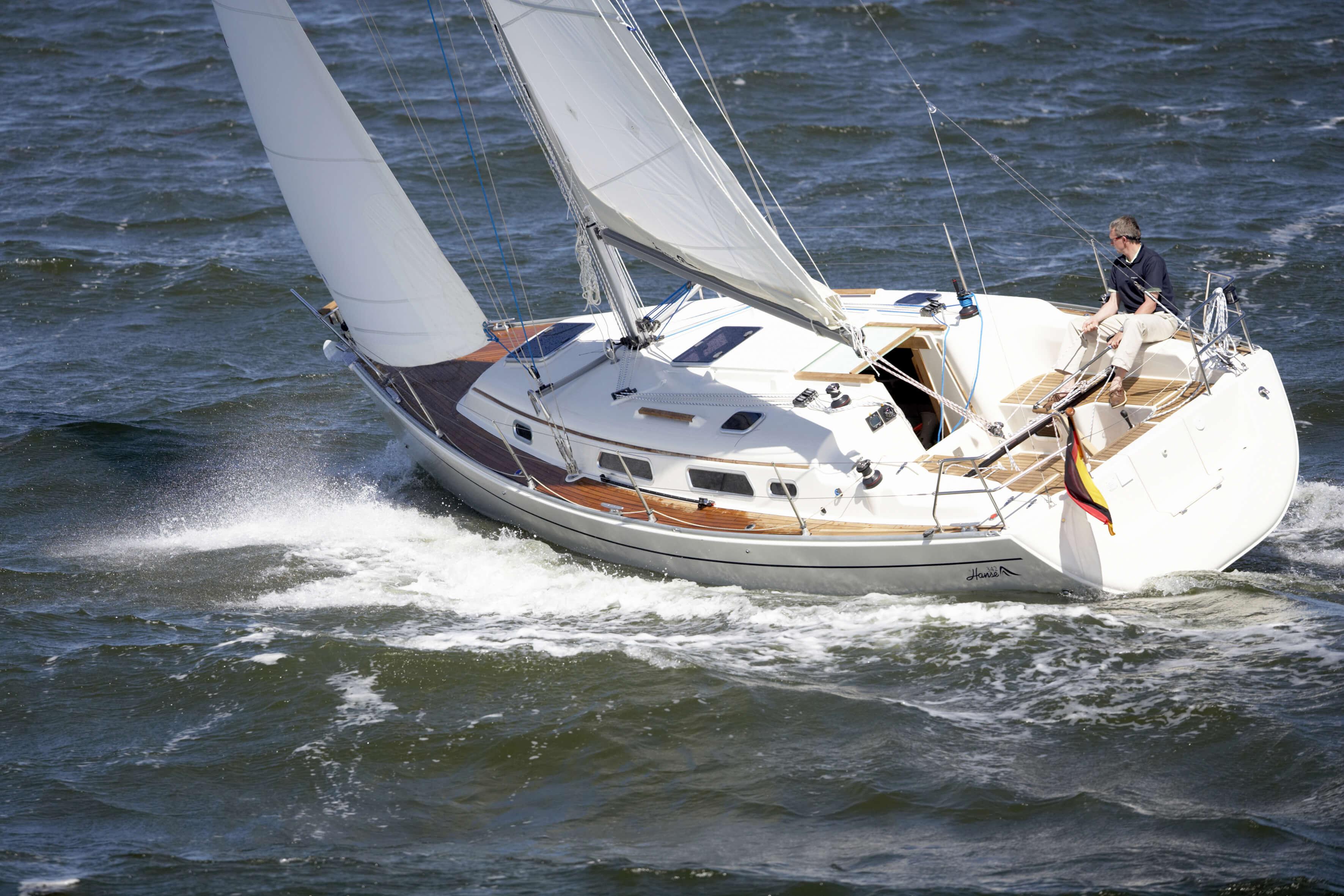 Hanse 342 Exterior Sailing   Hanse