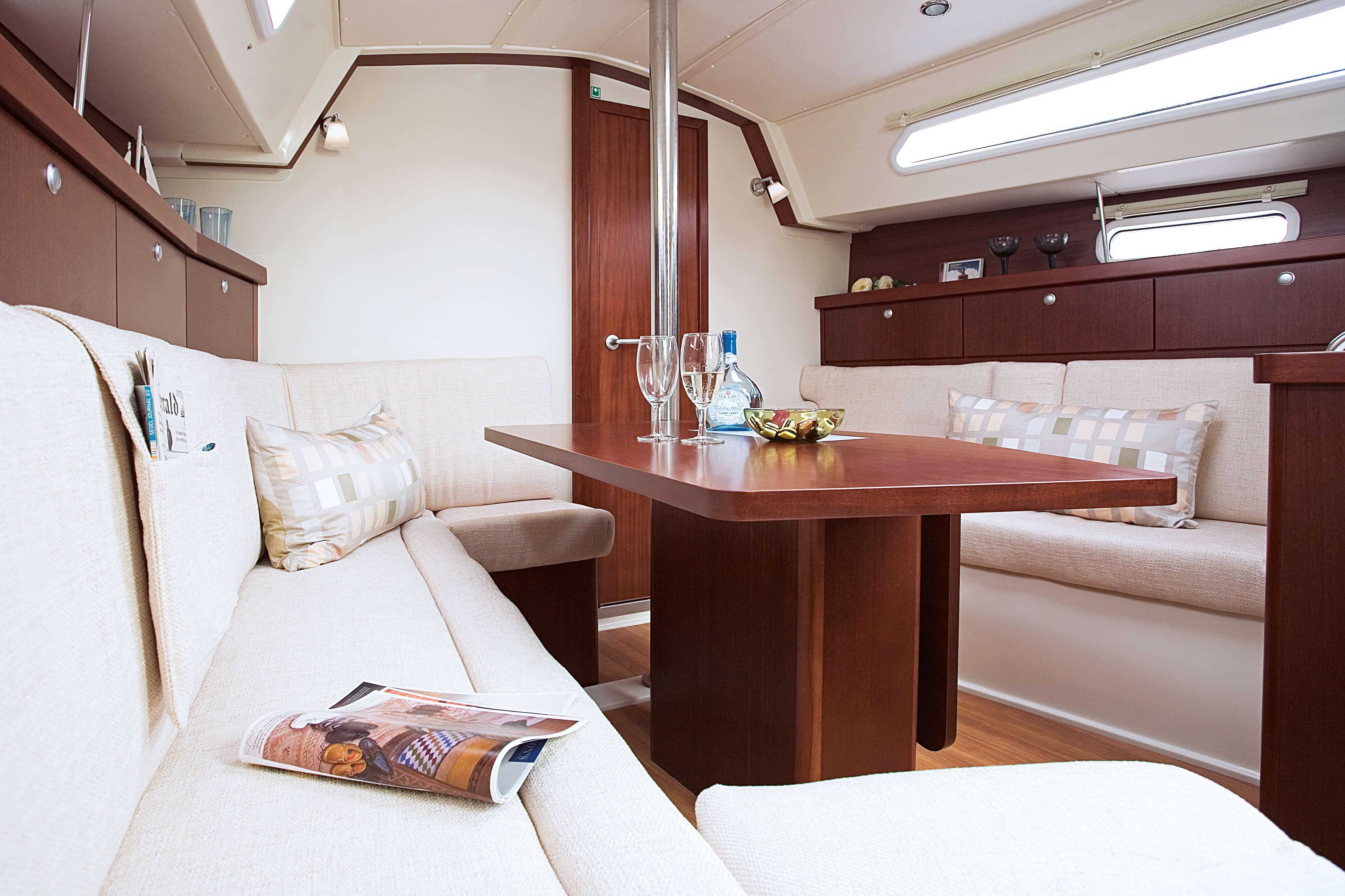 Hanse 350  Interior view lounge | Hanse