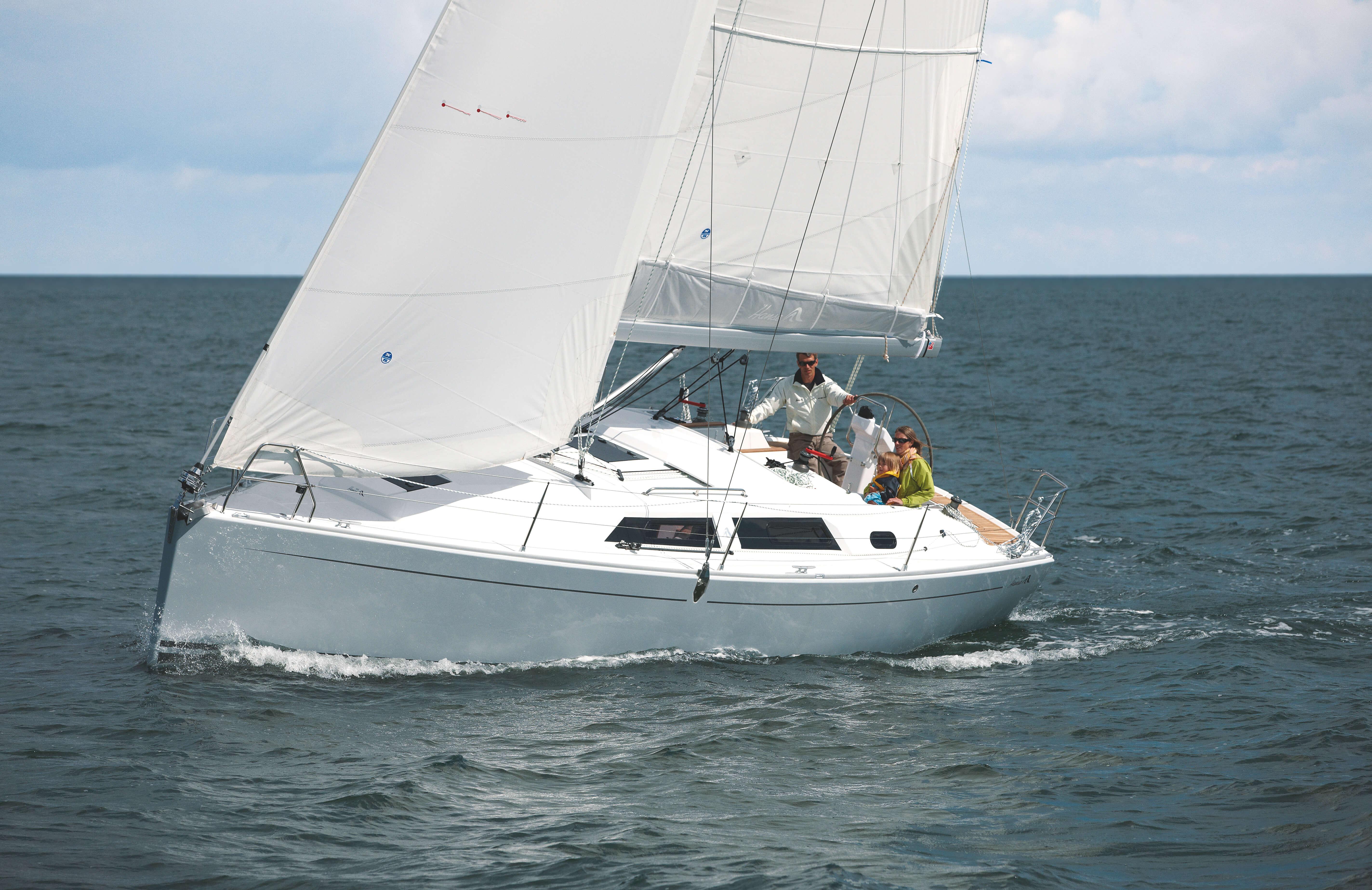 Hanse 355 Exterior Sailing | foresail, mainsail | Hanse