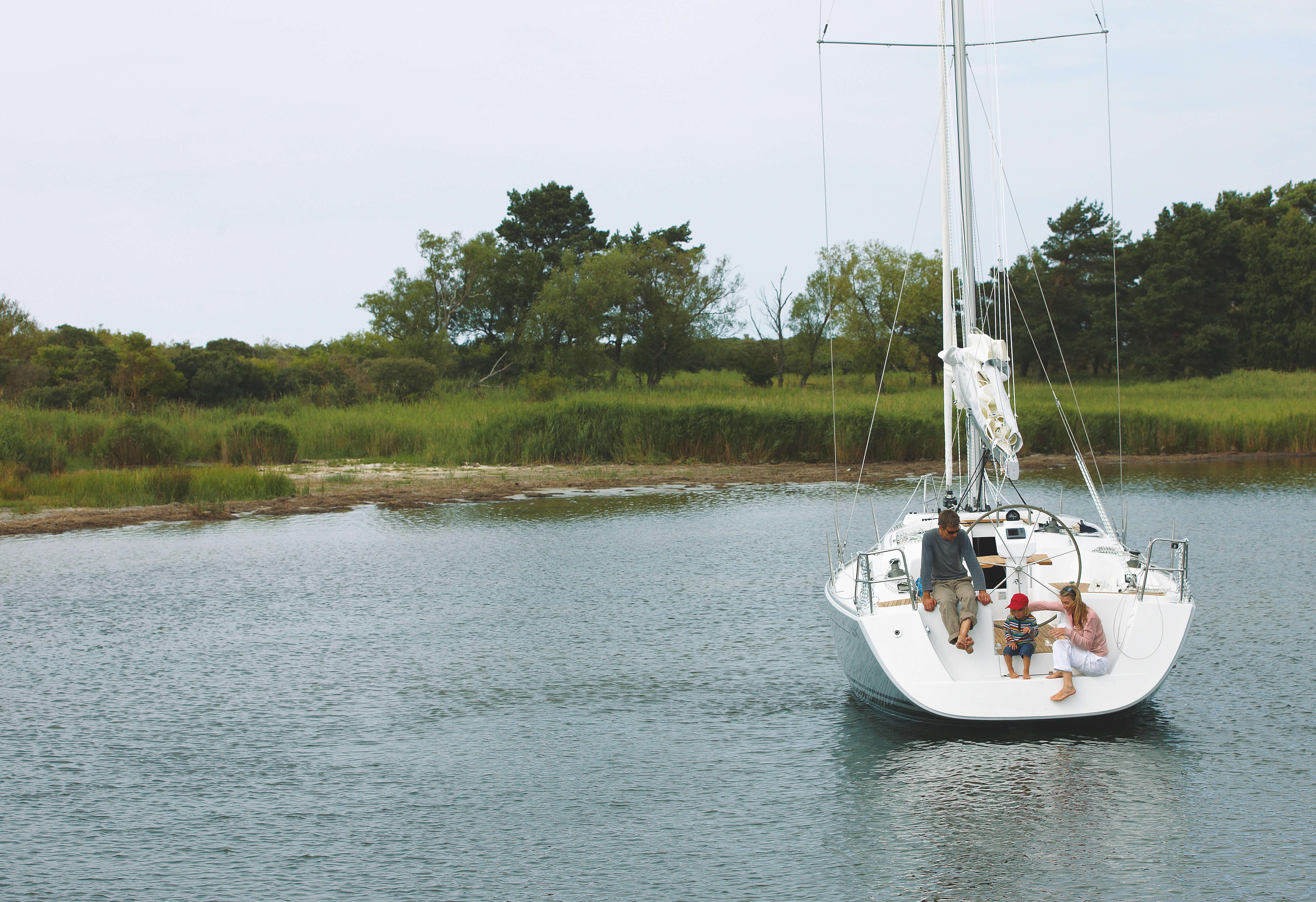 Hanse 355 Exterior at anchor   Hanse