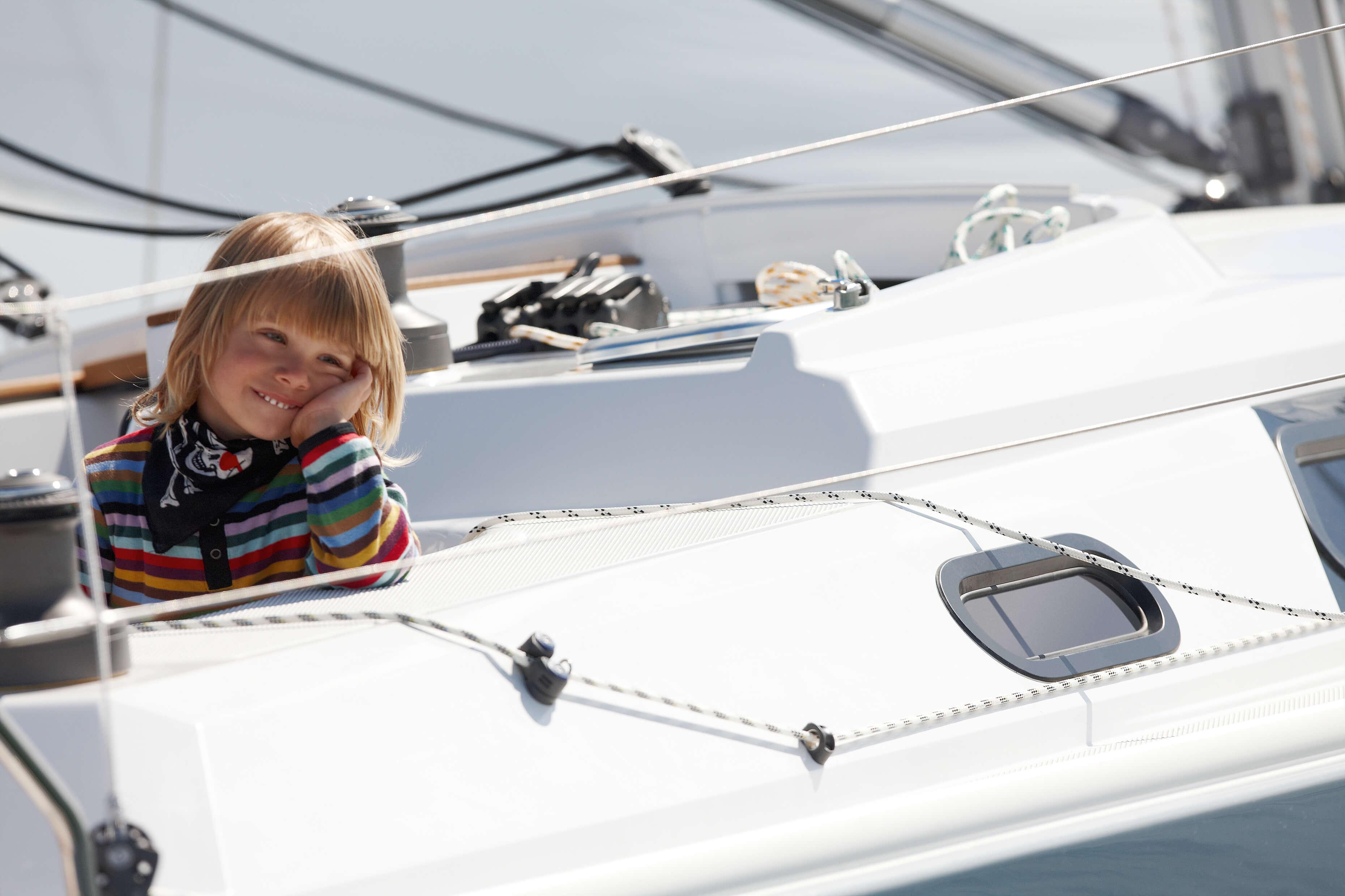 Hanse 355 Exterior at anchor | lines | Hanse