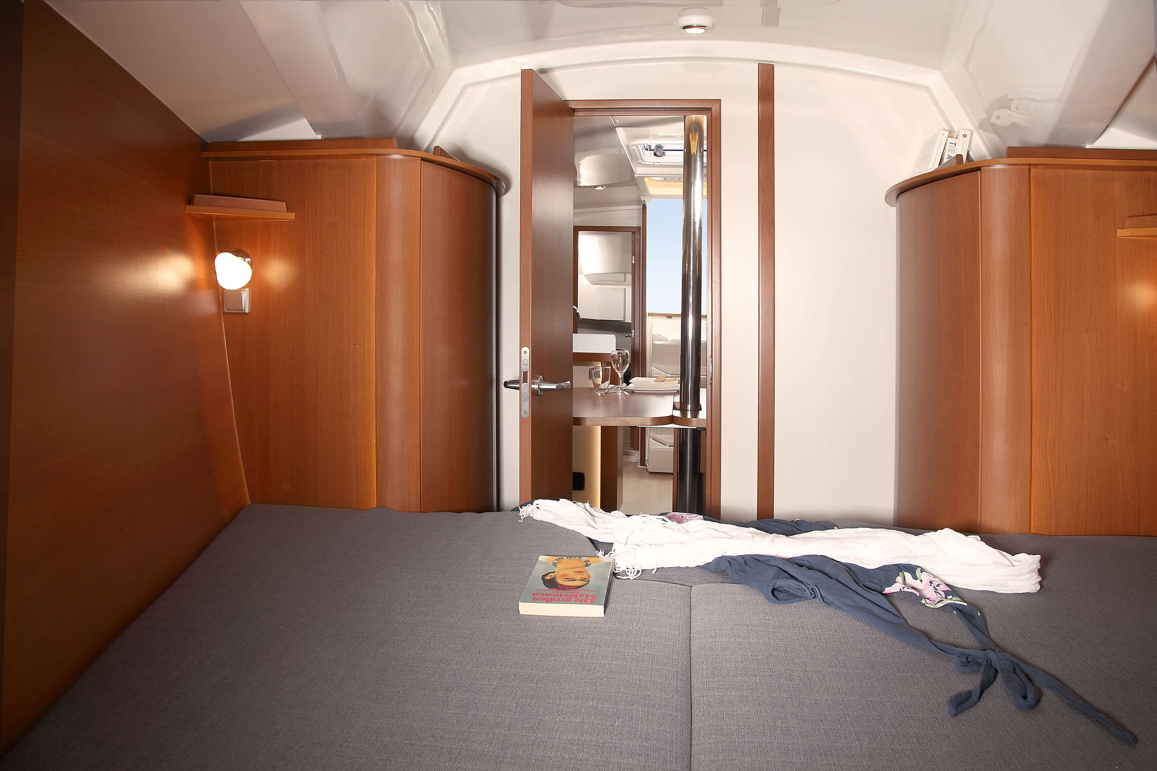 Hanse 355 Interior view owner´s cabin | double berth, dresser | Hanse