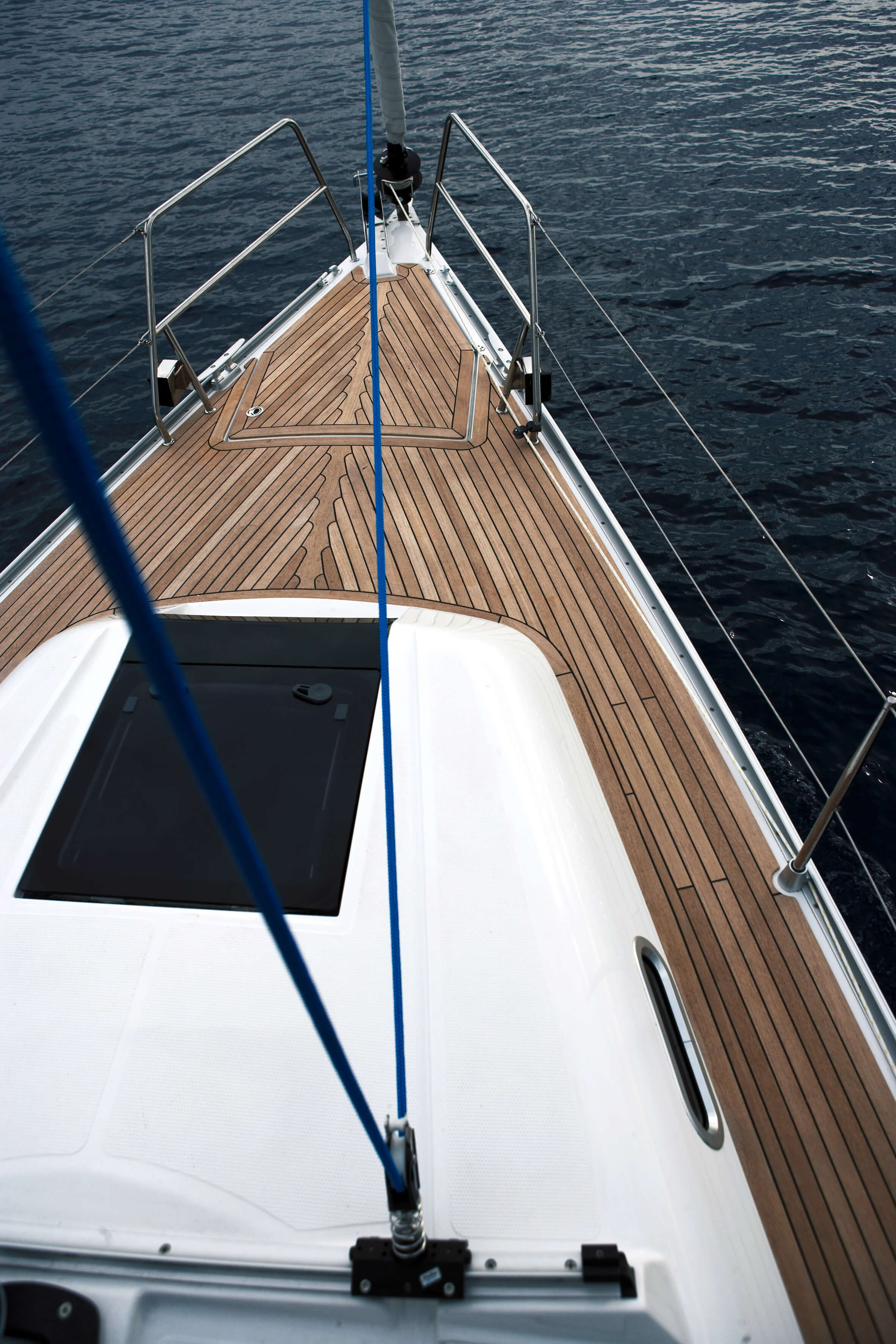 Hanse 370 Exterior at anchor | Hanse