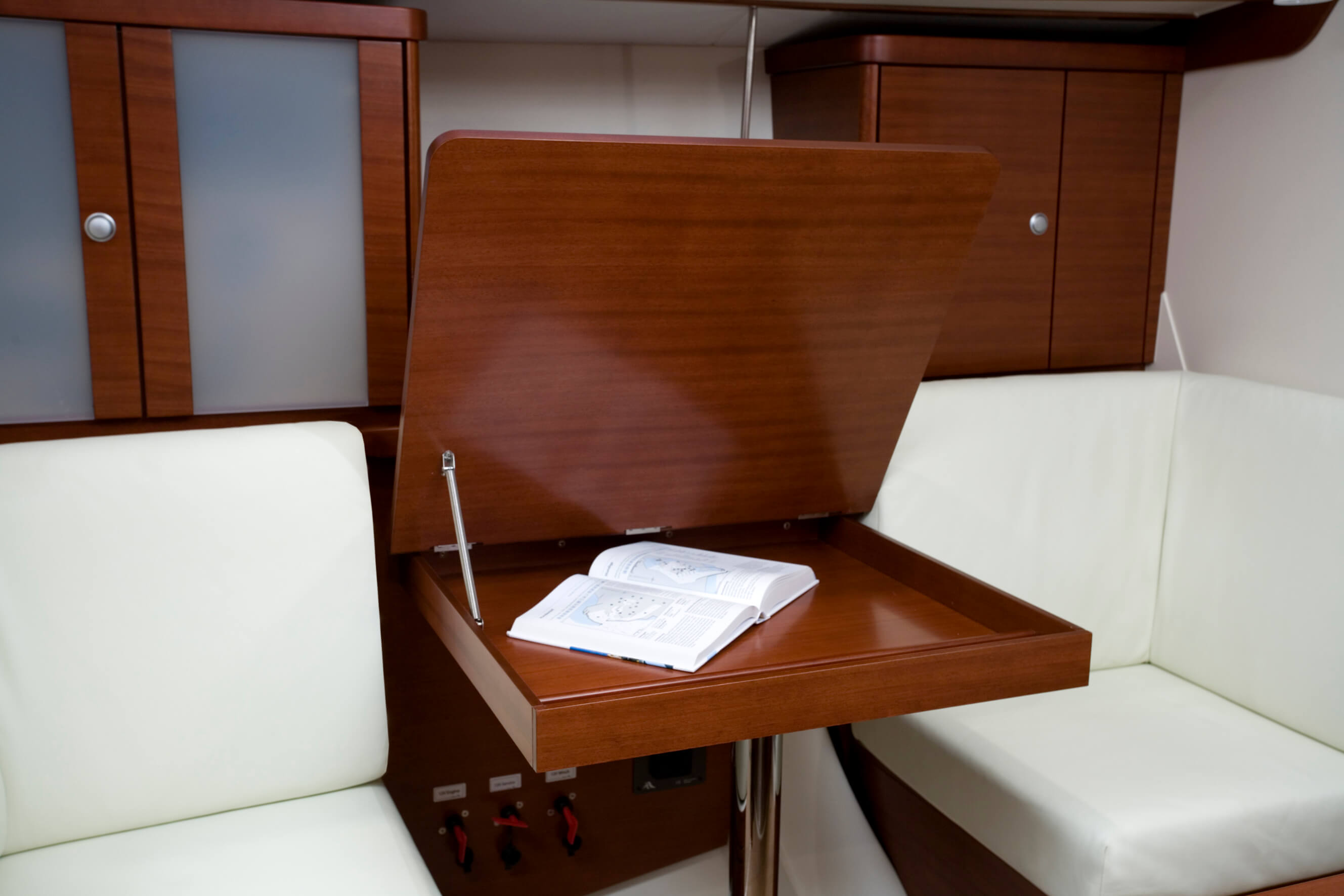 Hanse 370 Interior view lounge | Hanse