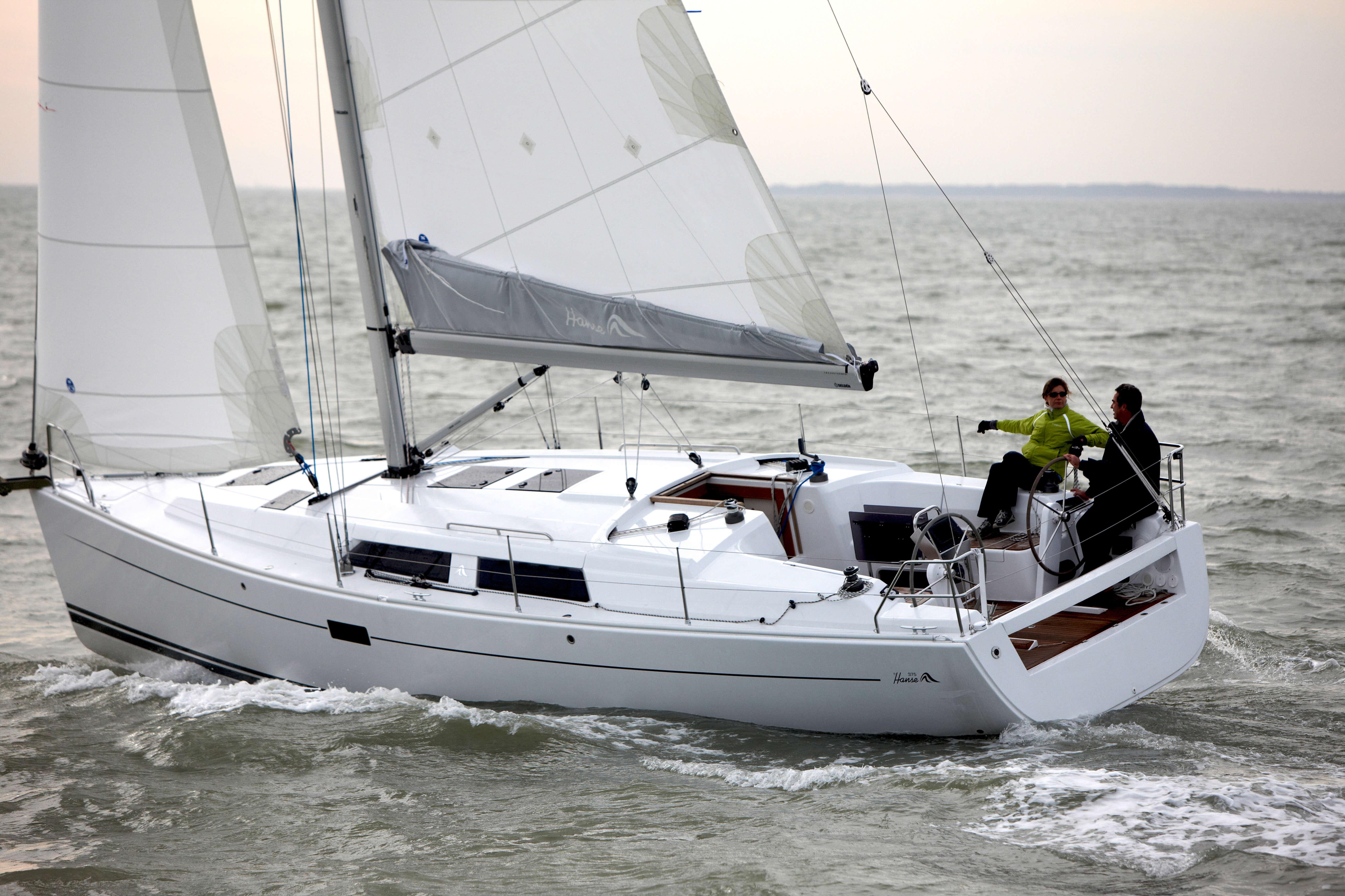 Hanse 375 Exterior Sailing | Hanse
