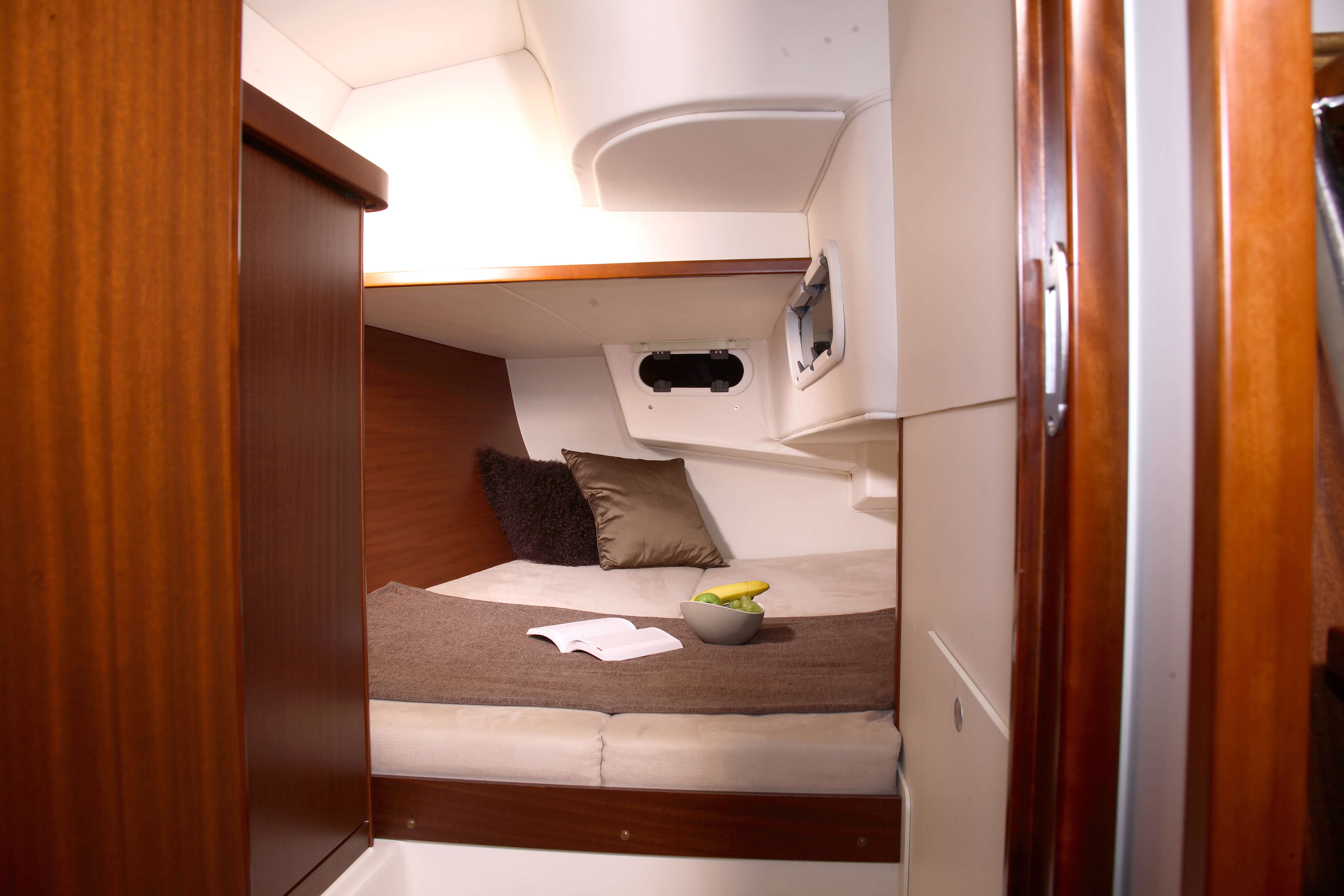 Hanse 375 Interior view owner´s cabin | Hanse