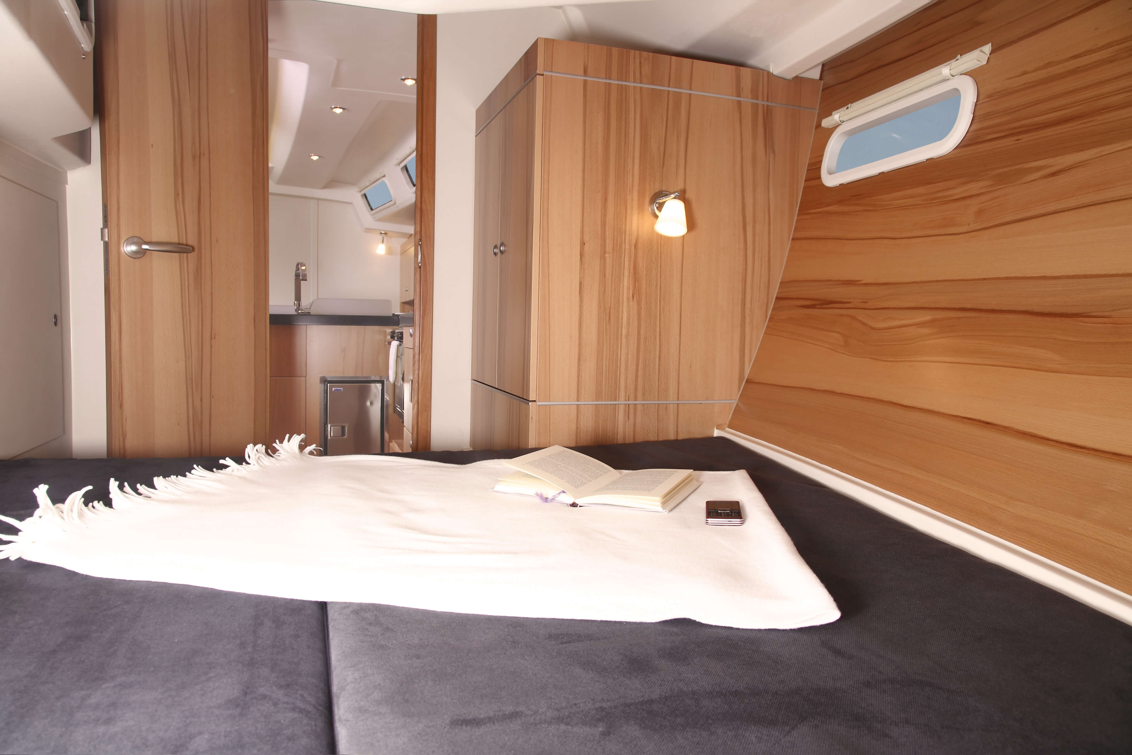 Hanse 445a Interior view owner´s cabin | Hanse