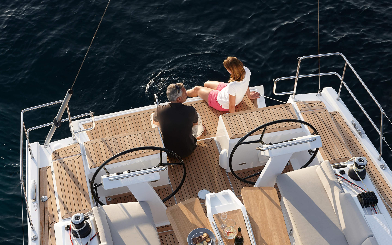 Hanse 455 Exterior at anchor | Яхты Hanse восхищают своим современным, функциональным дизайном | Hanse