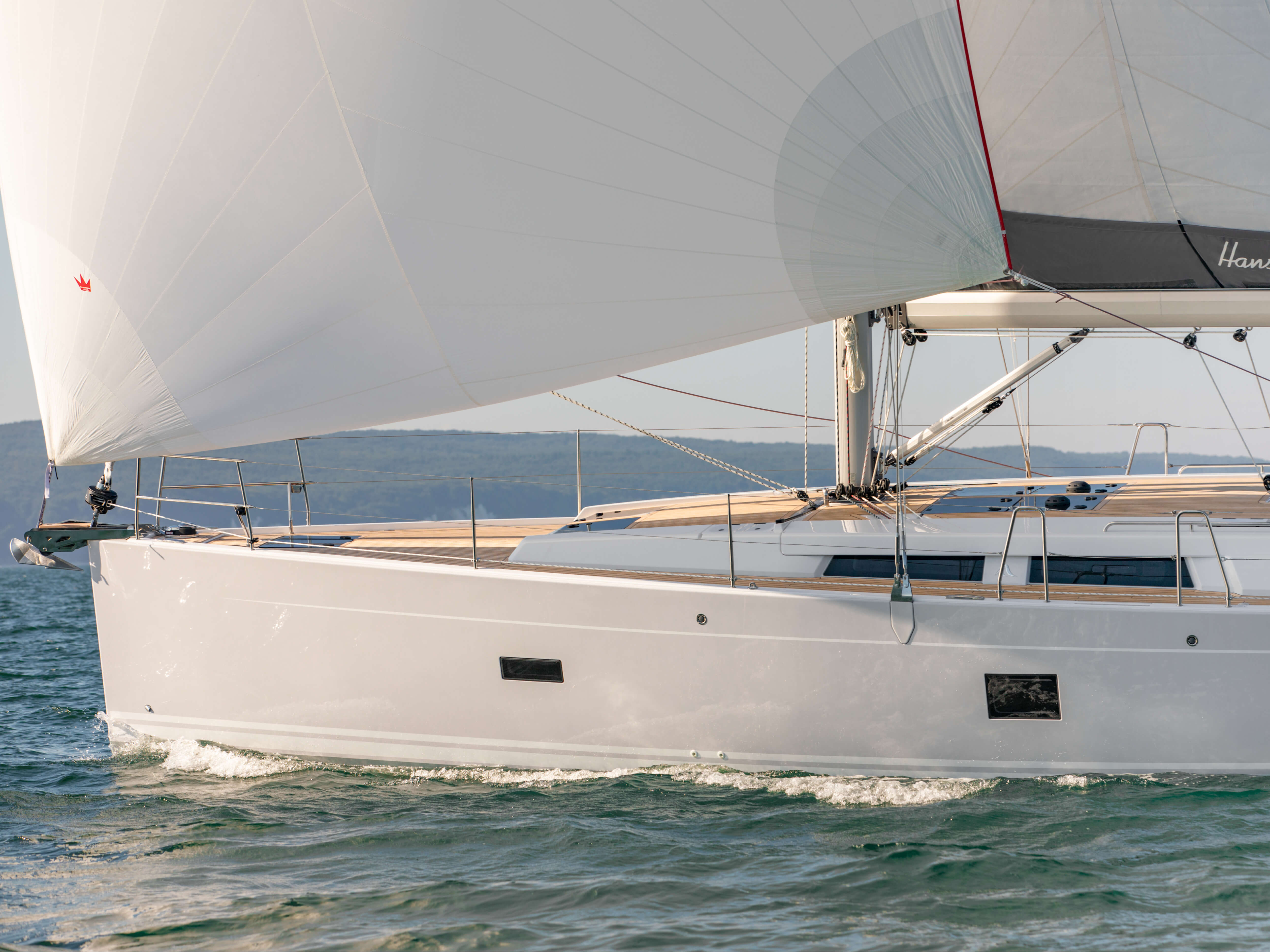 Hanse 458 | HANSE yachts amaze with their modern, functional design. Unique, puristic elegance meets exceptional performance from the pen of judel/vrolijk & co, the world's best and most experienced yacht designers. | Hanse