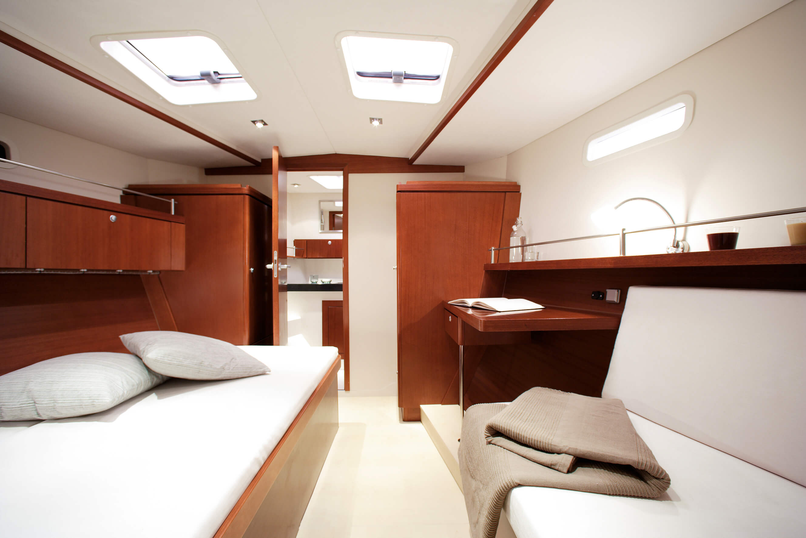 Hanse 470 Interior view owner´s cabin | Hanse
