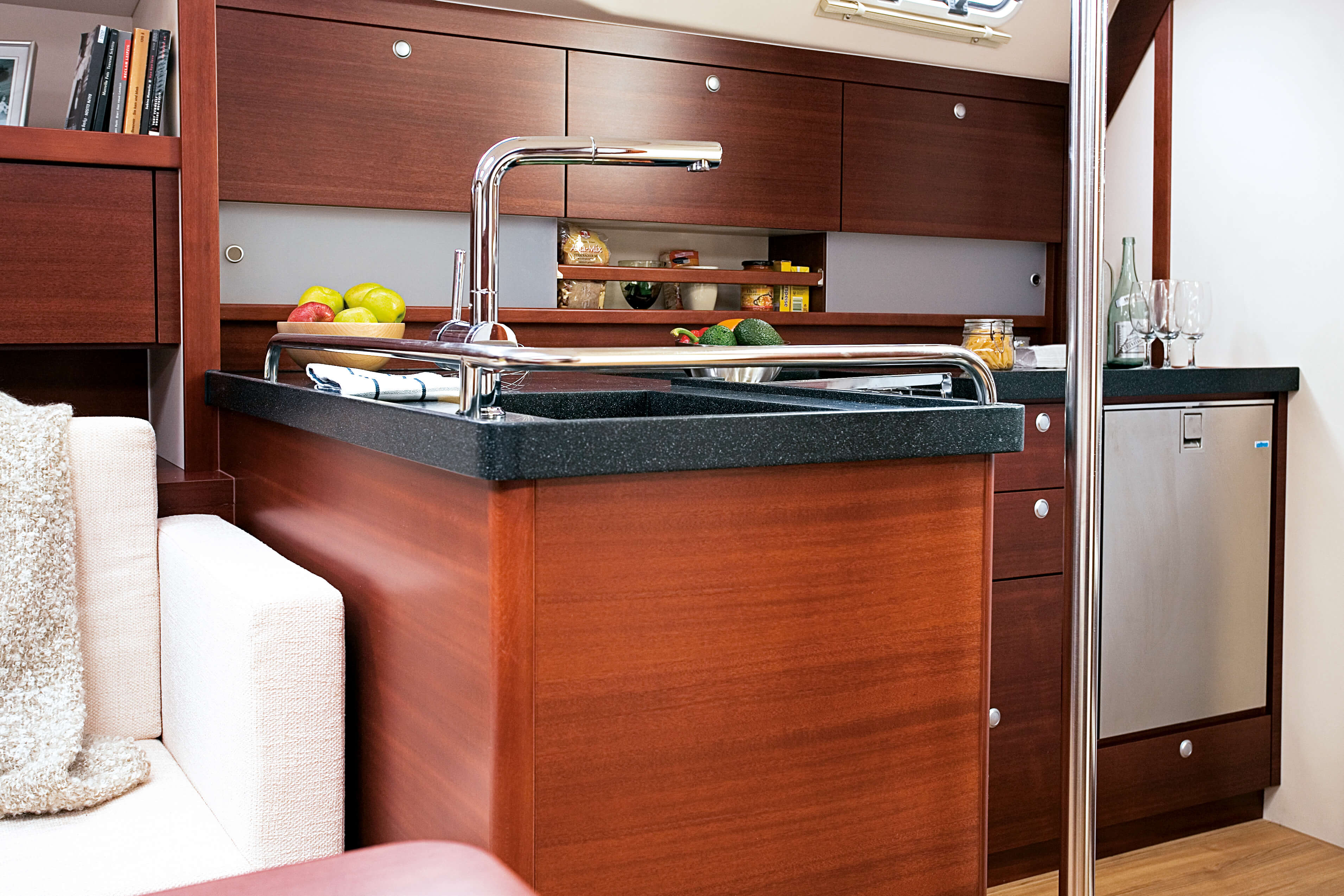 Hanse 470 Interior view wet cell | Hanse