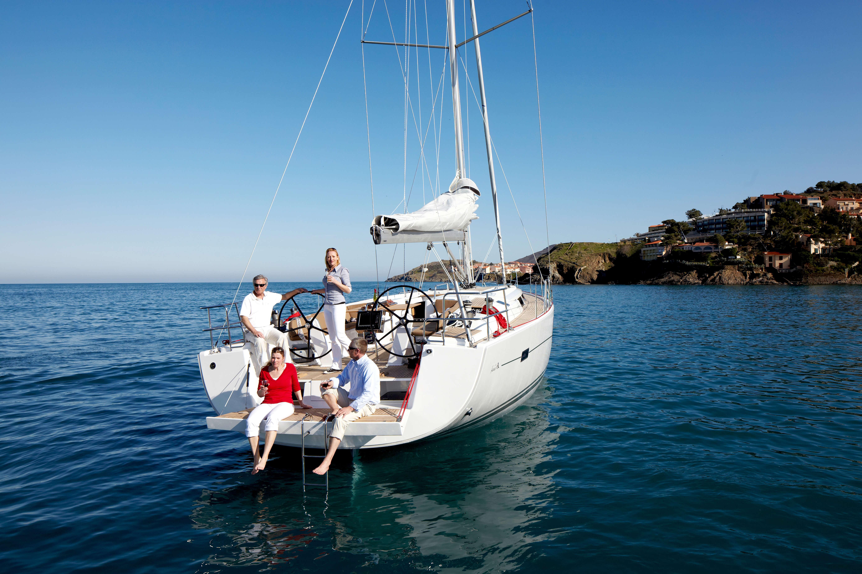 Hanse 495 Exterior at anchor | Hanse