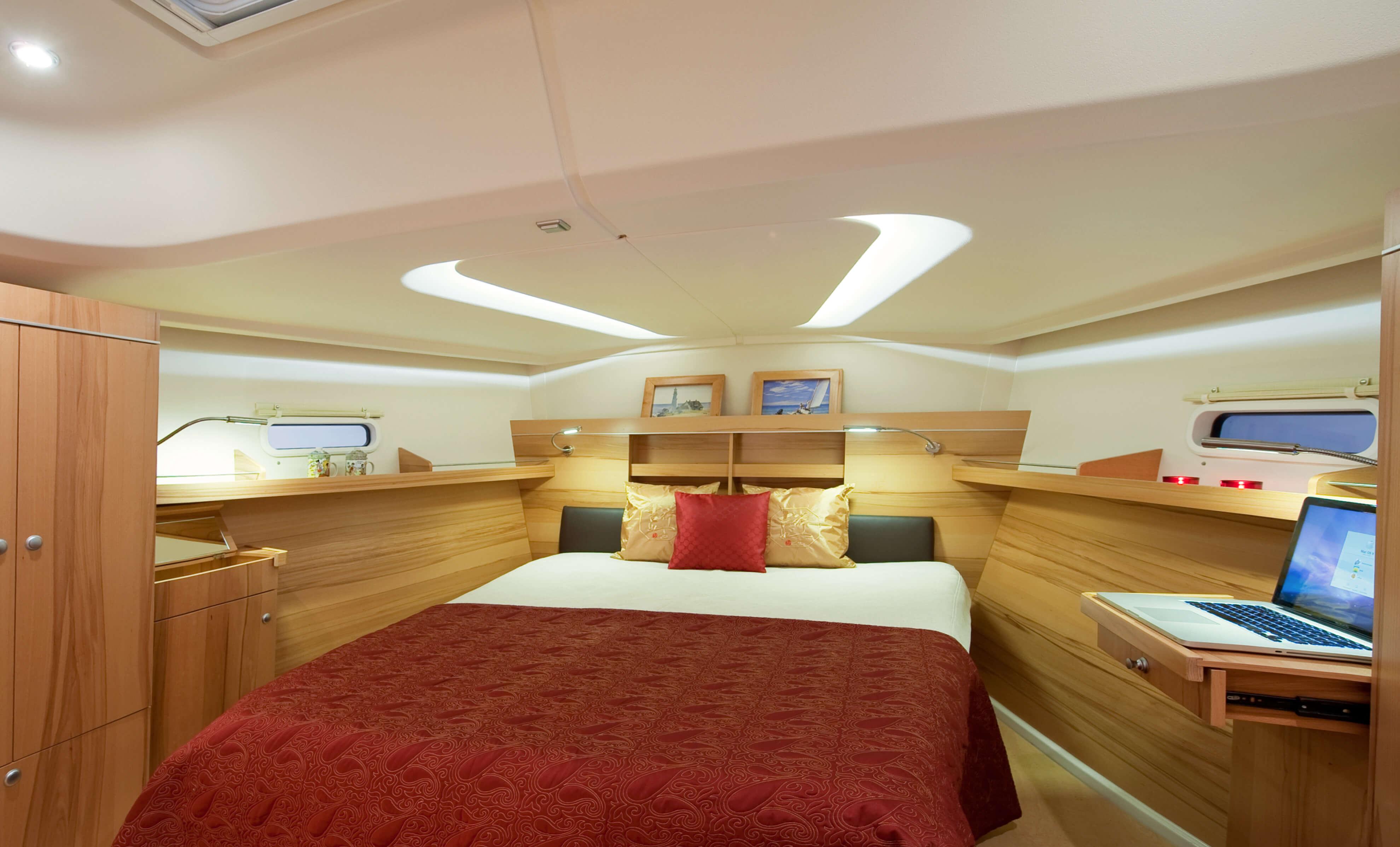 Hanse 495 Interior view owner´s cabin | Hanse