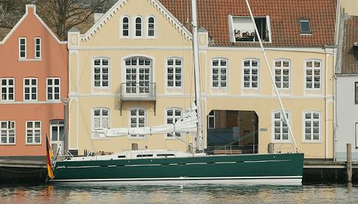 Hanse 531 Exterior at anchor | Hanse