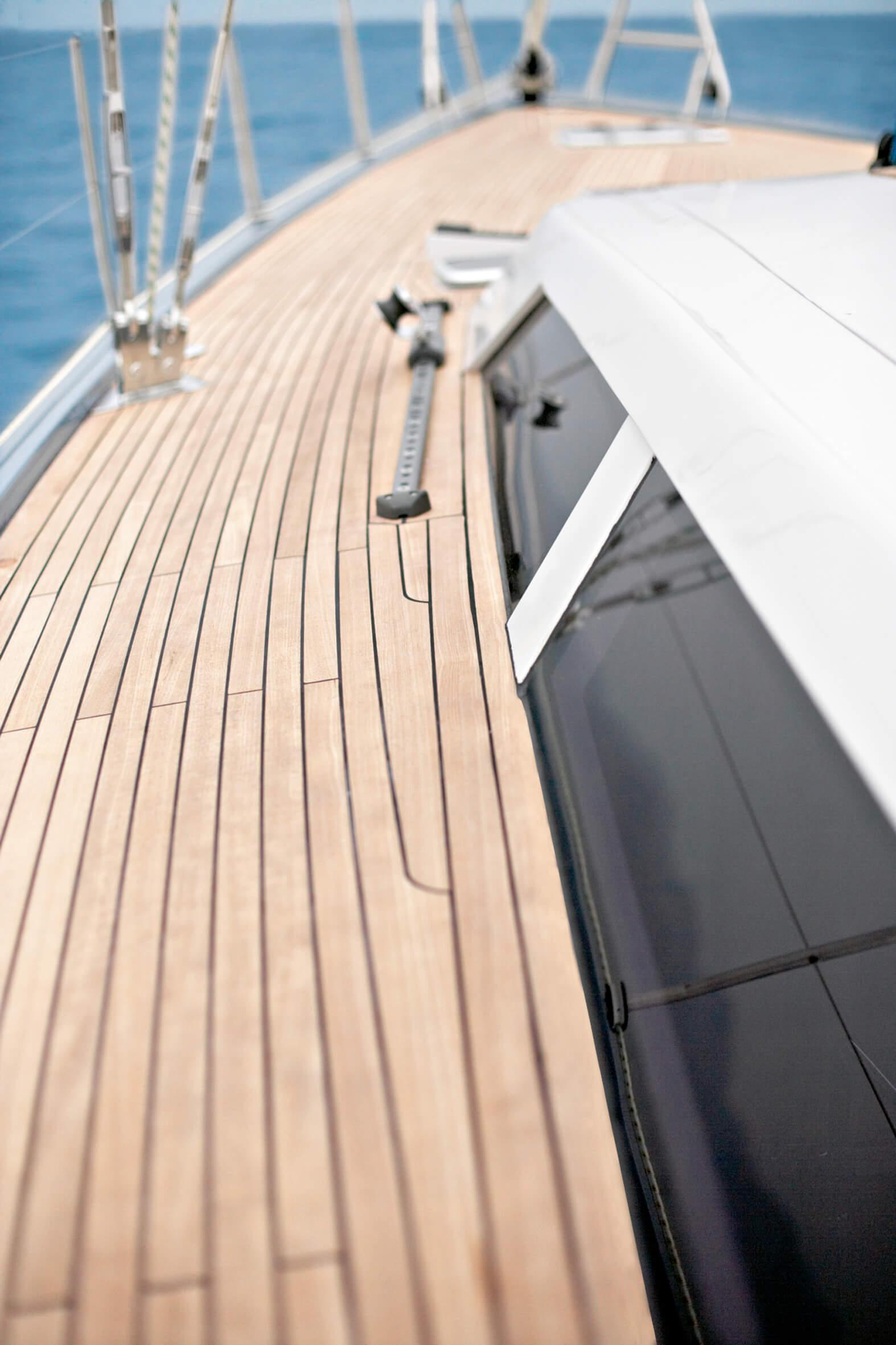 Hanse 540e Exterior at anchor | Hanse
