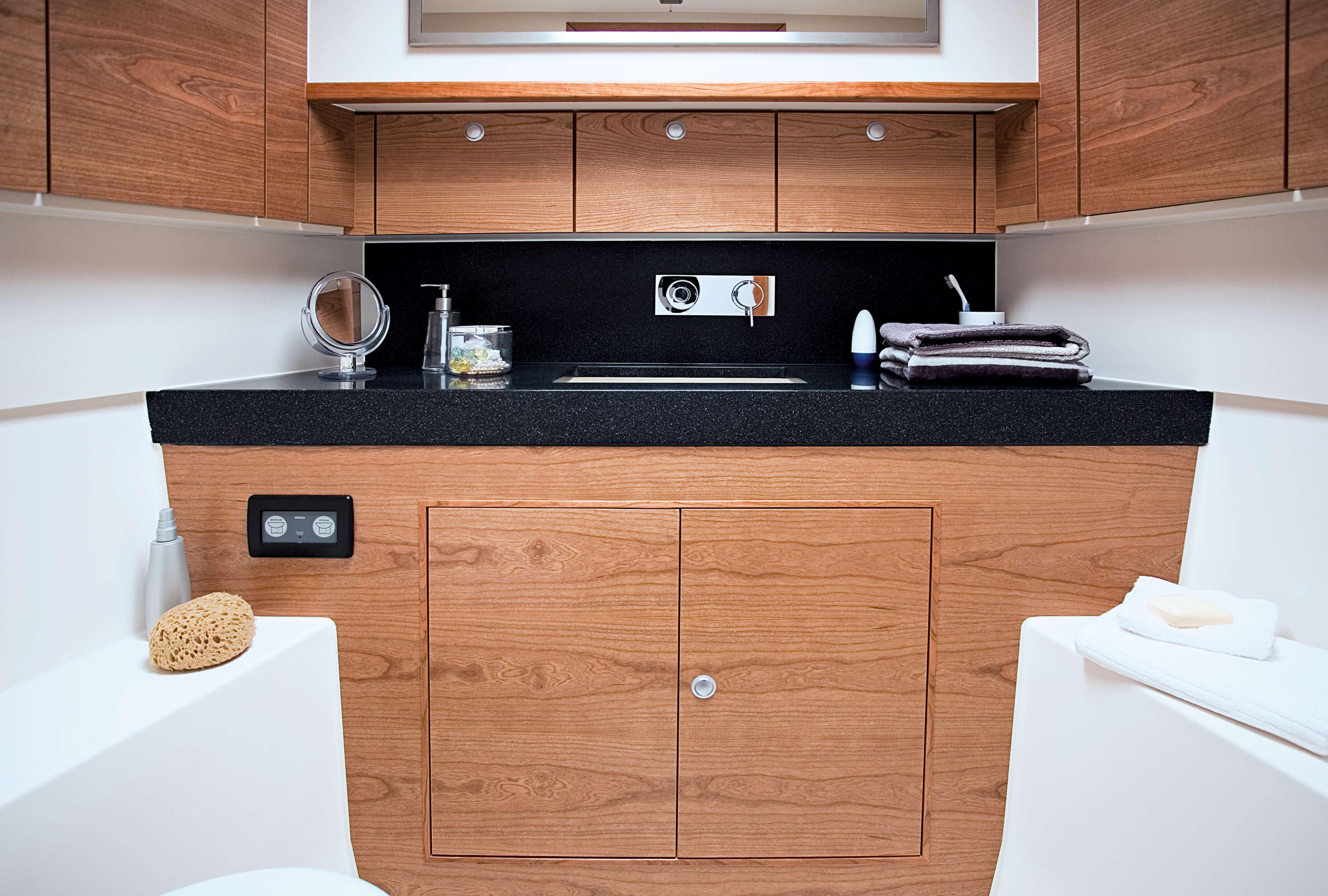 Hanse 540e Interior view wet cell | Hanse