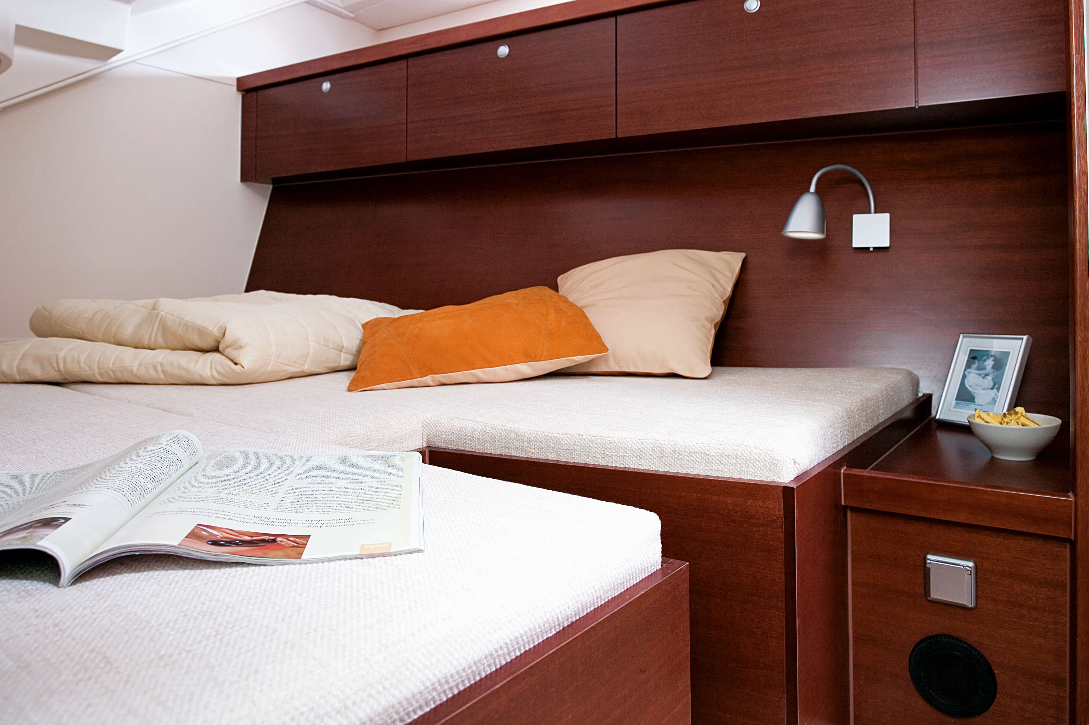 Hanse 540e Interior view owner´s cabin | Hanse