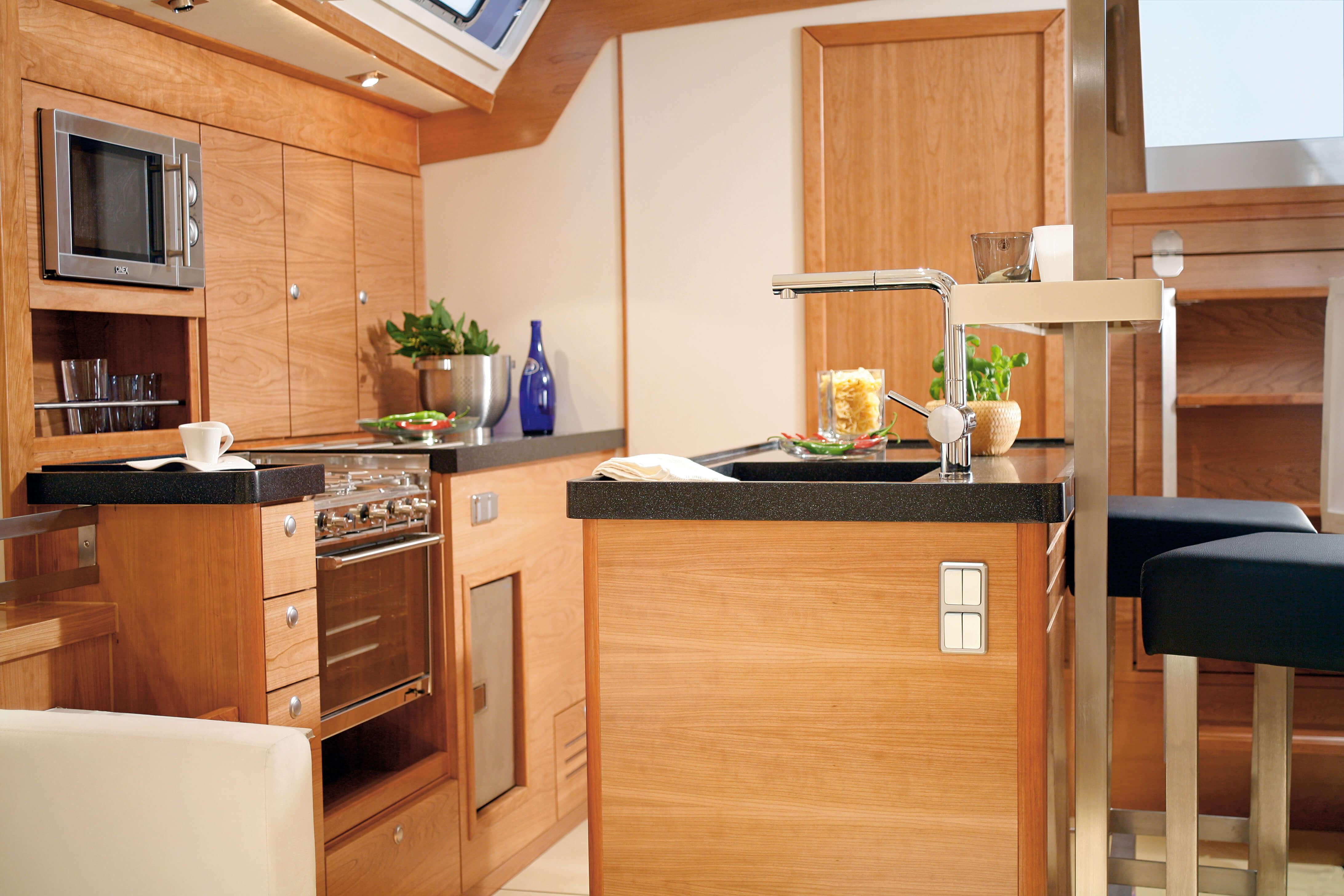 Hanse 540e Interior view pantry | Hanse